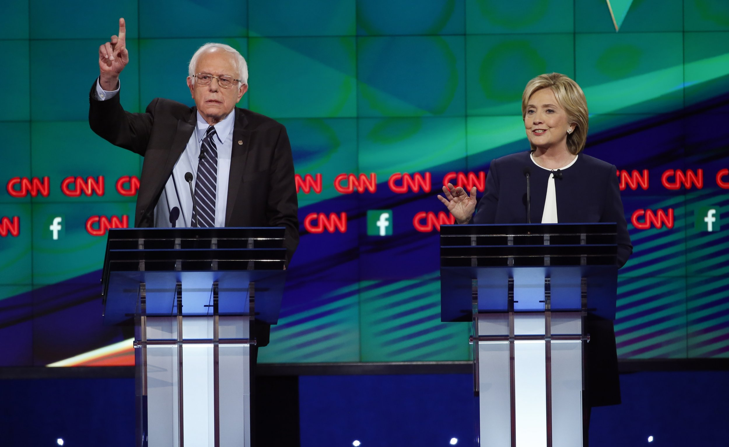 1113_Democratic_presidential_debate_01