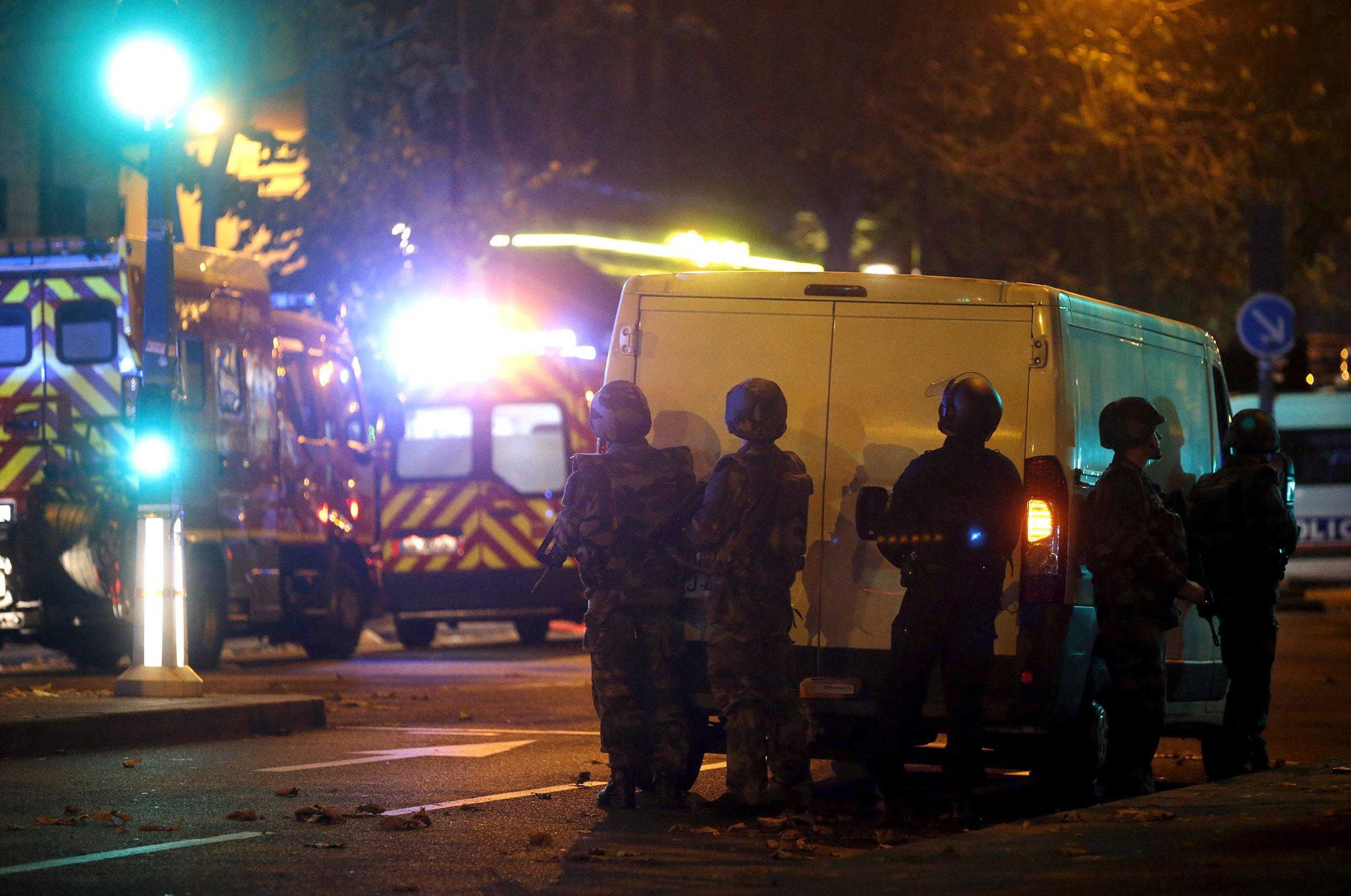 11_13_ParisAttacks_05