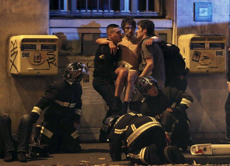 11_13_ParisAttacks_07