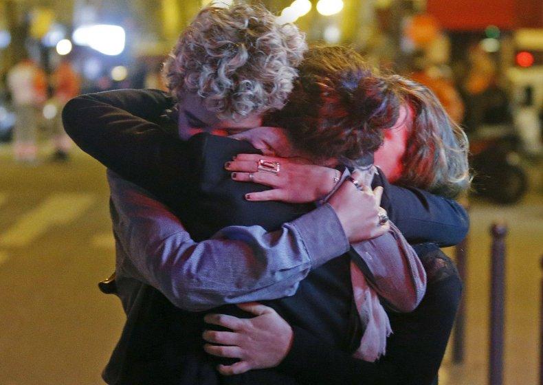 1114_Paris Attacks Mourning