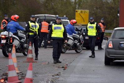 11_14_Belgian_Police_01