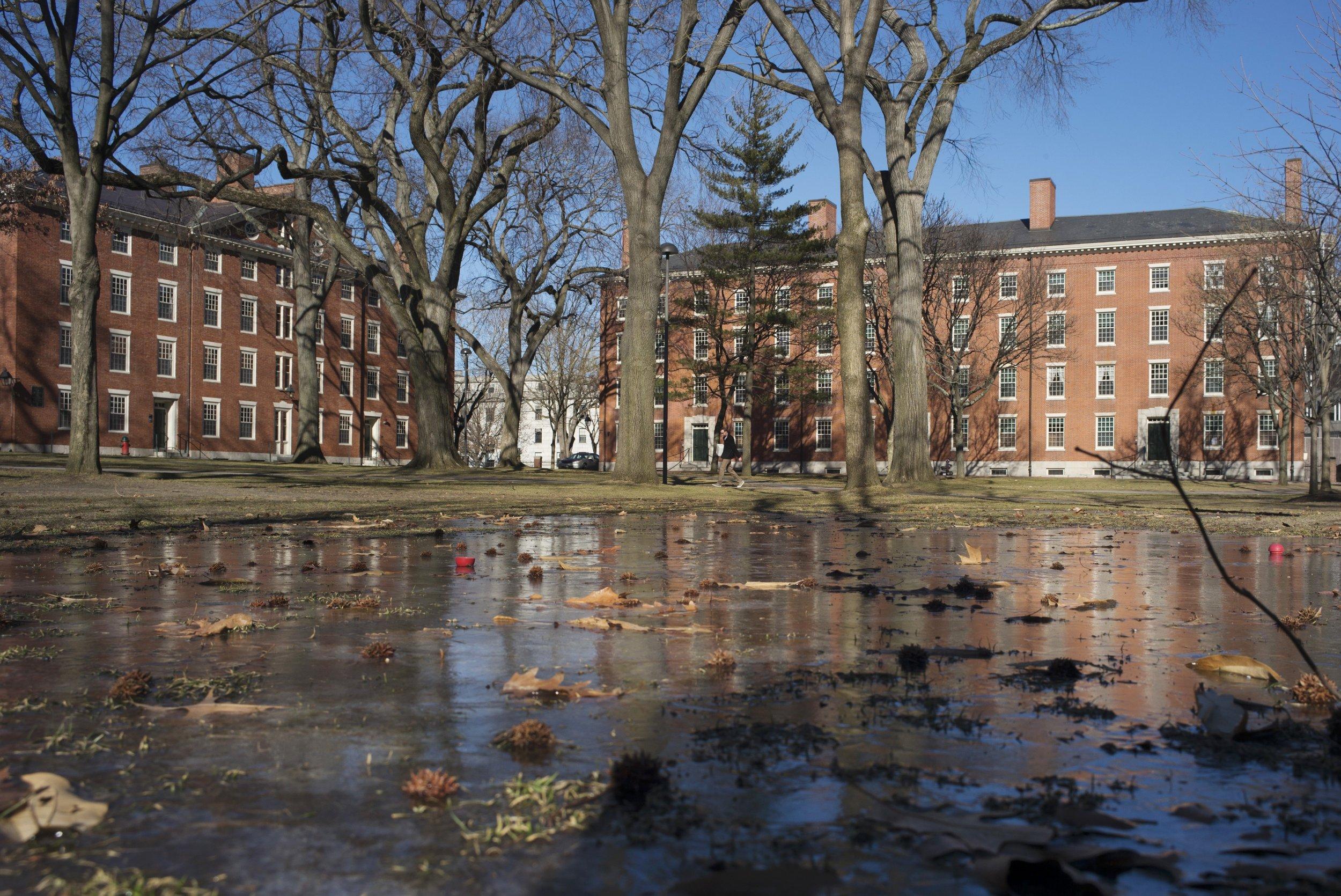 1116_Harvard-University_bomb_threat_01