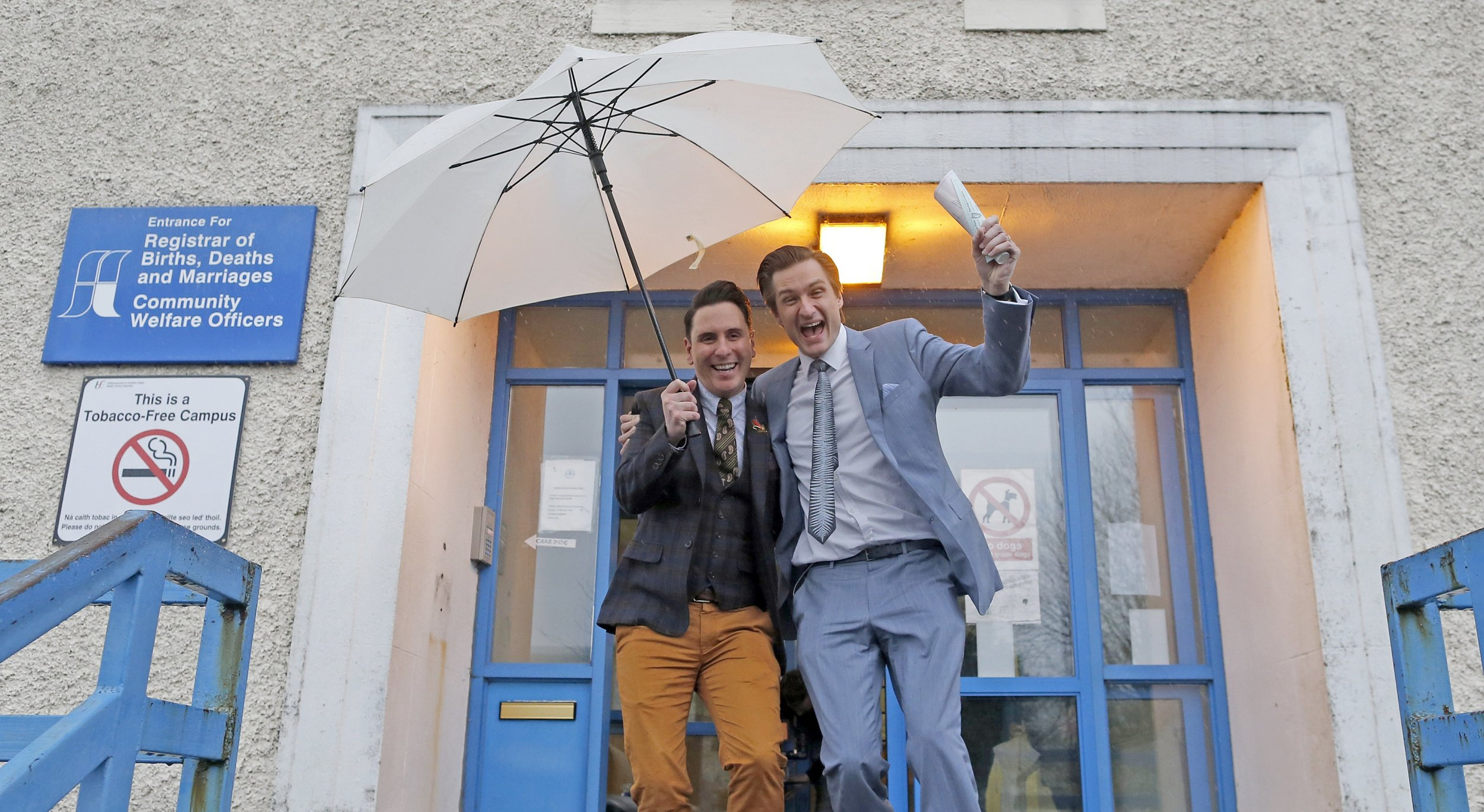 1117_First_gay_couple_marries_Ireland_01