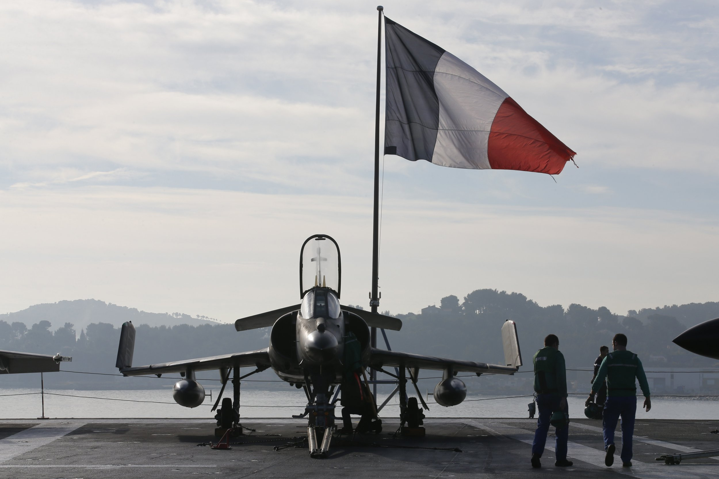 1118_France Military ISIS
