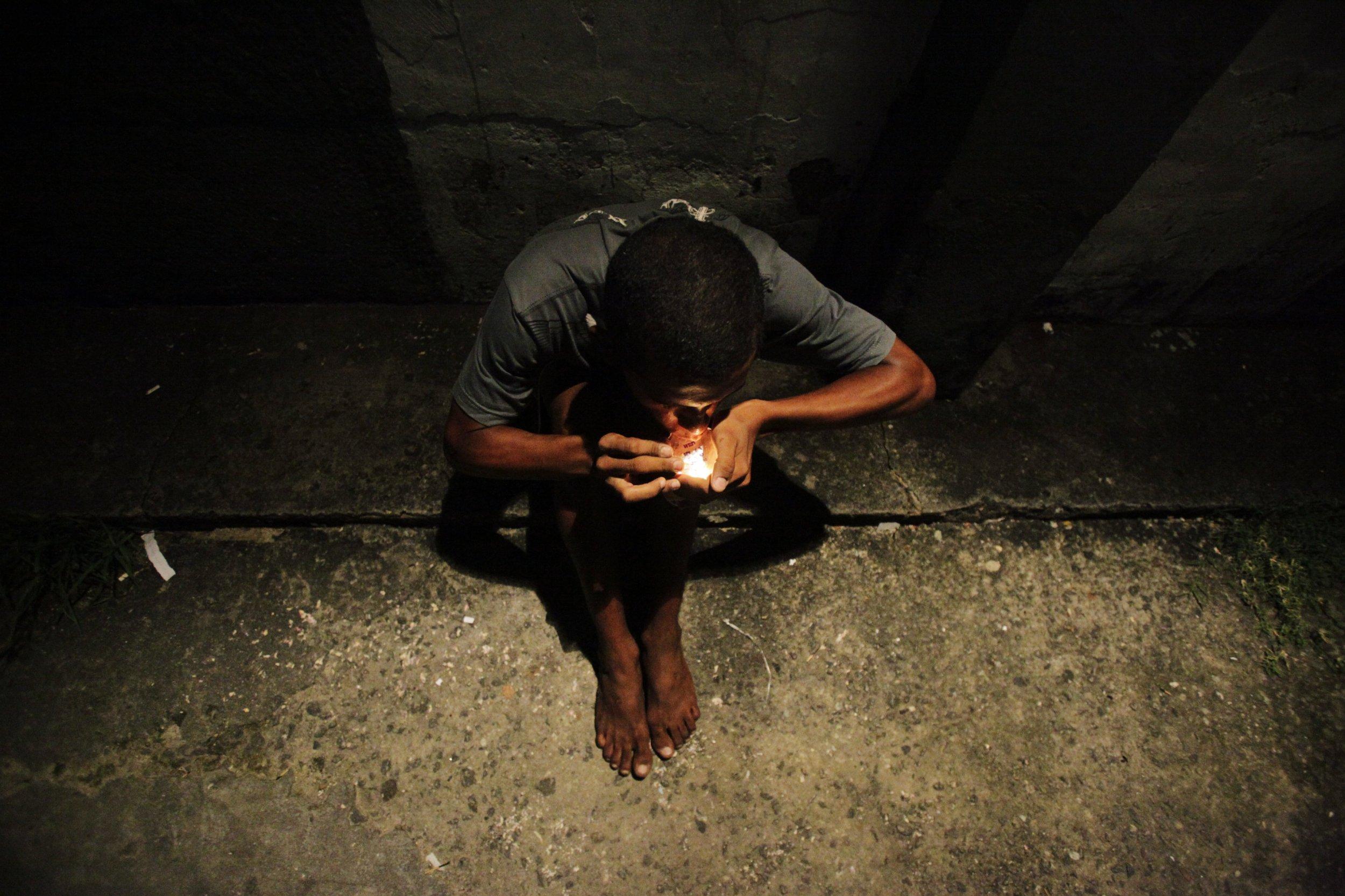 drug-abuse-crack-use