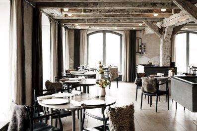 12_04_ExpensiveRestaurants_02