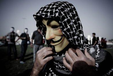 12_04_ISISvHackers_01