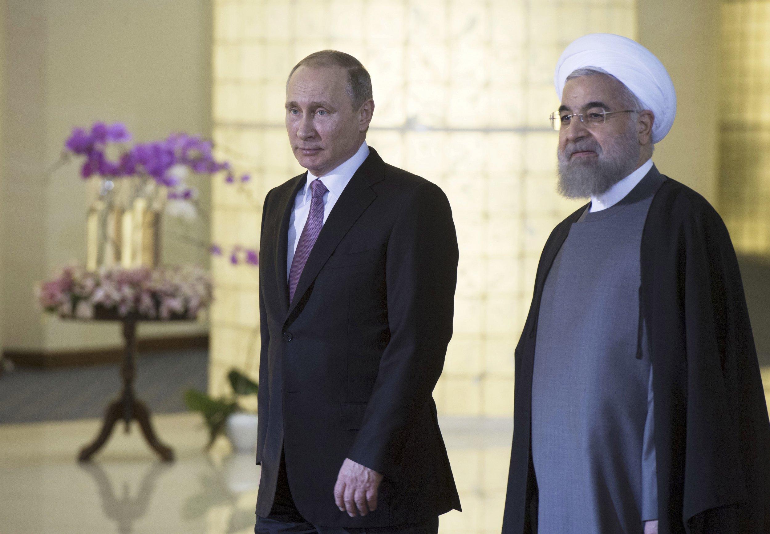 1123_Putin Khamenei