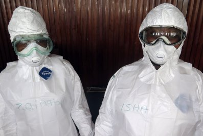 1124 Ebola workers