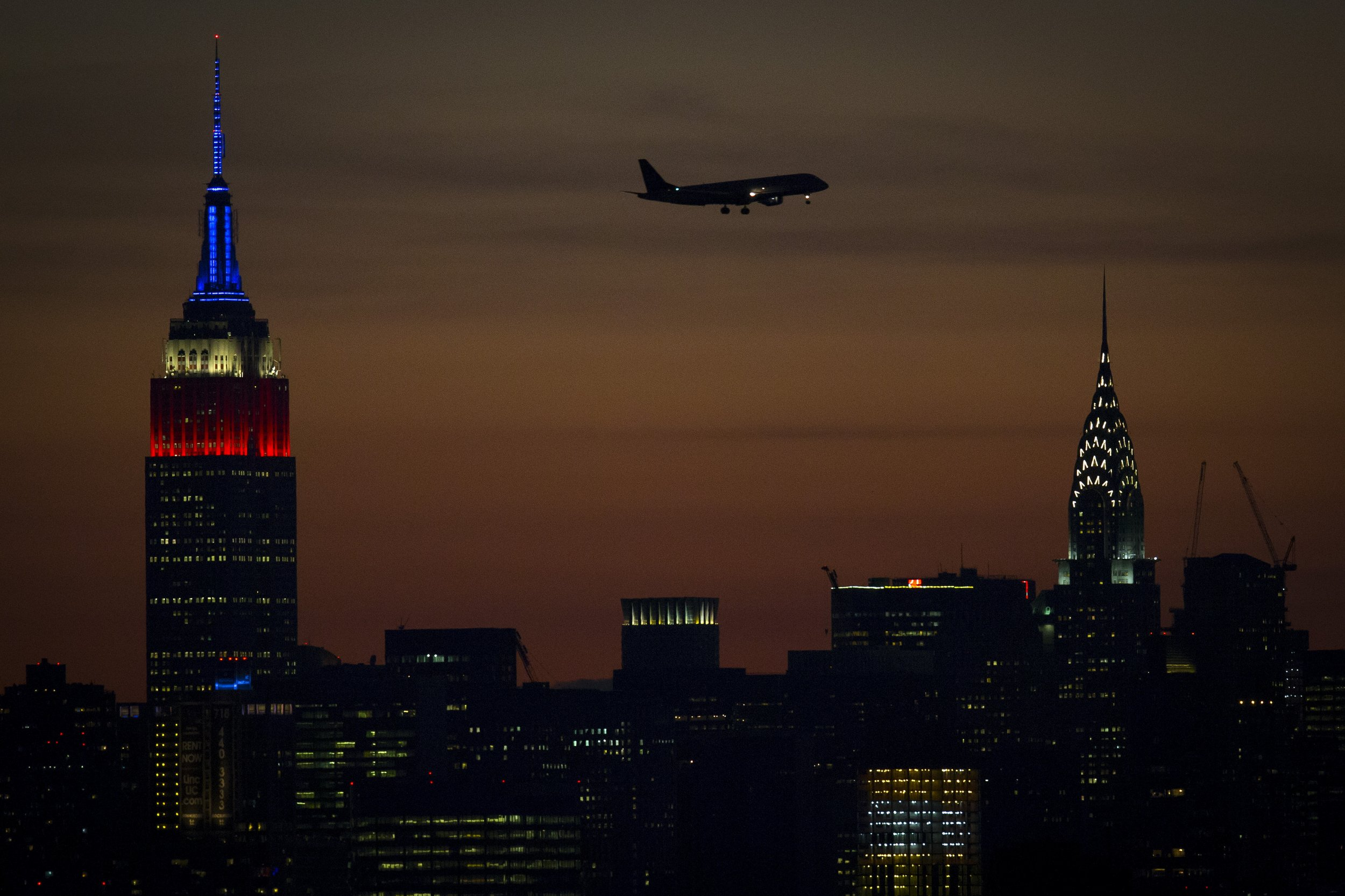 1126_Airplane Emissions
