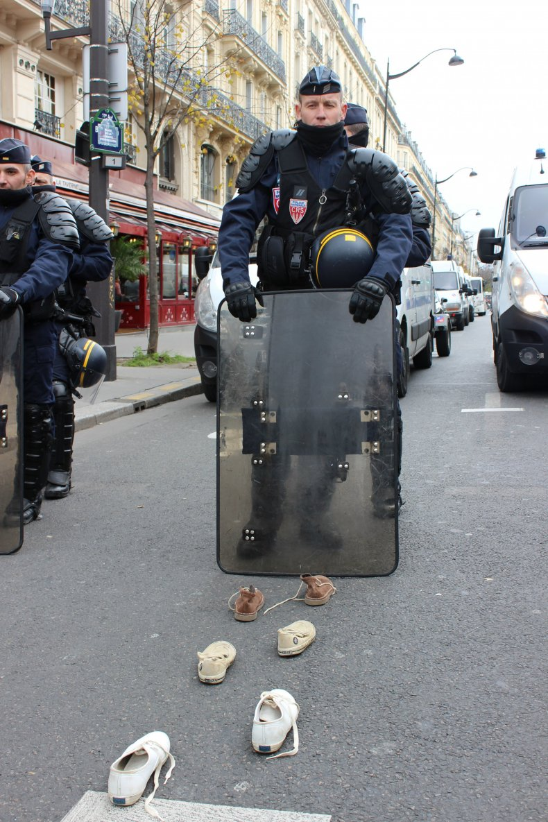shoes-riot-police