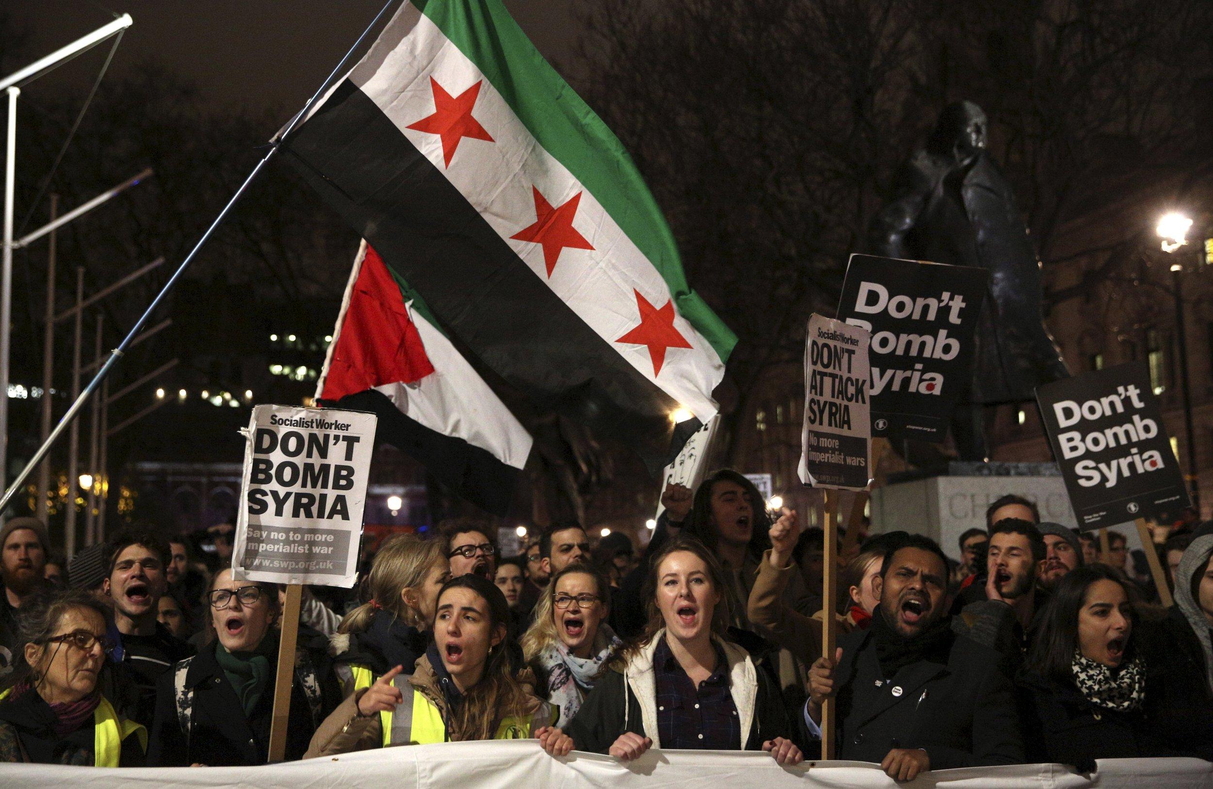 0212_protestors_syria_bombing