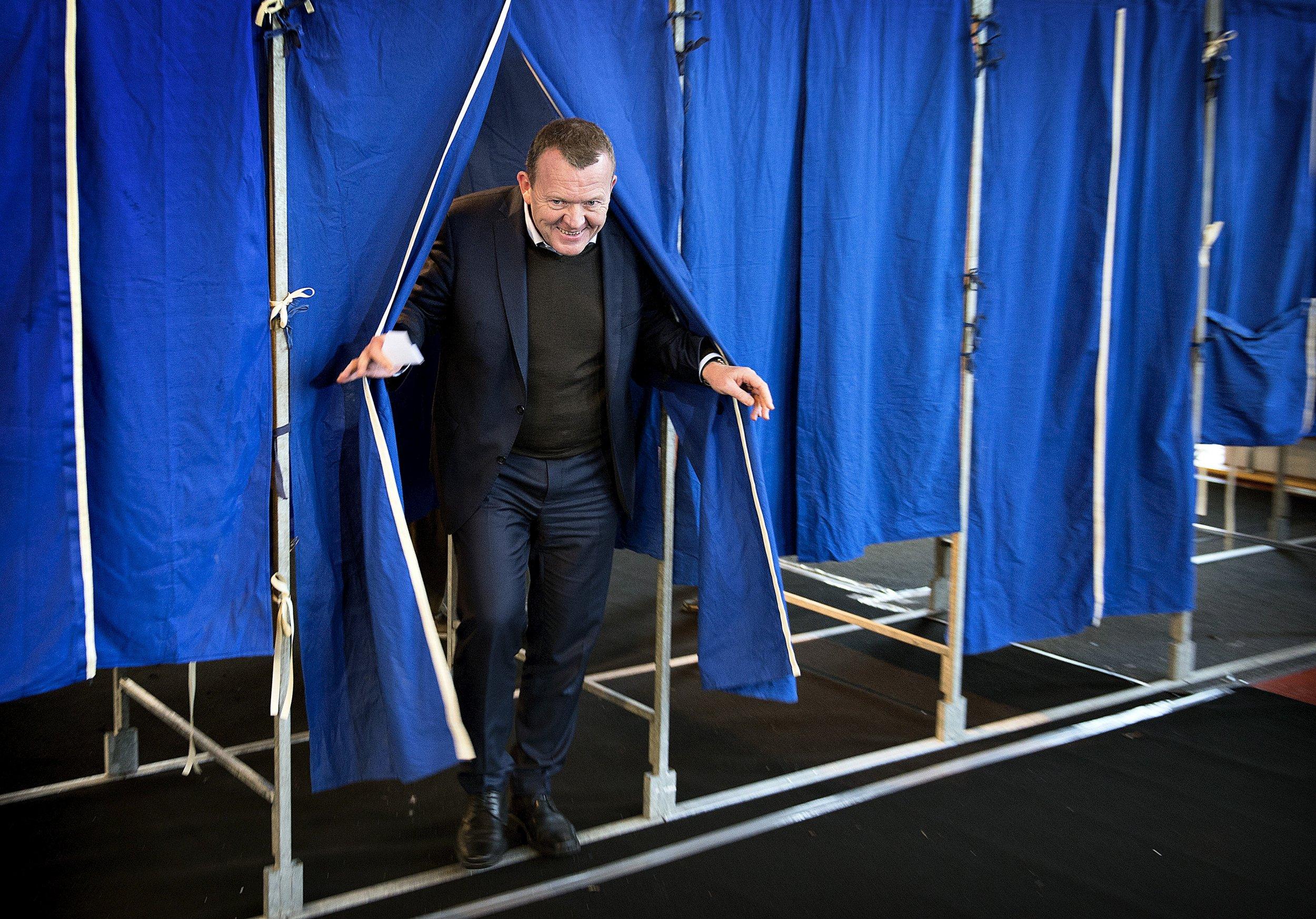 12/04-Denmark-referendum