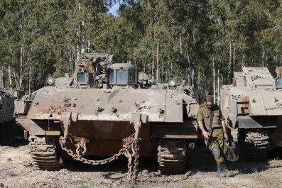 12_04_Israel_Hezbollah_01