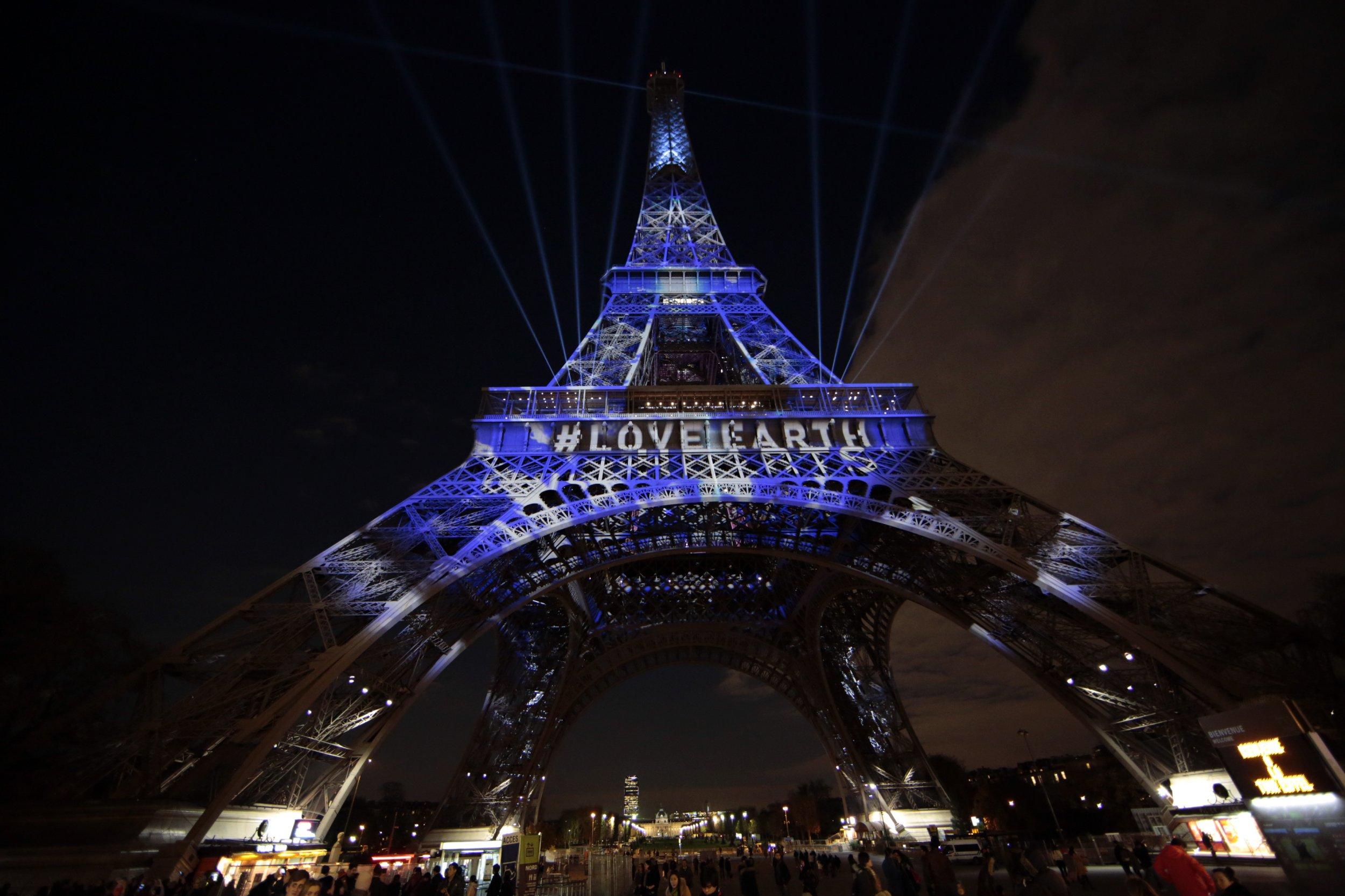 1205_Eiffel_Paris_COP21