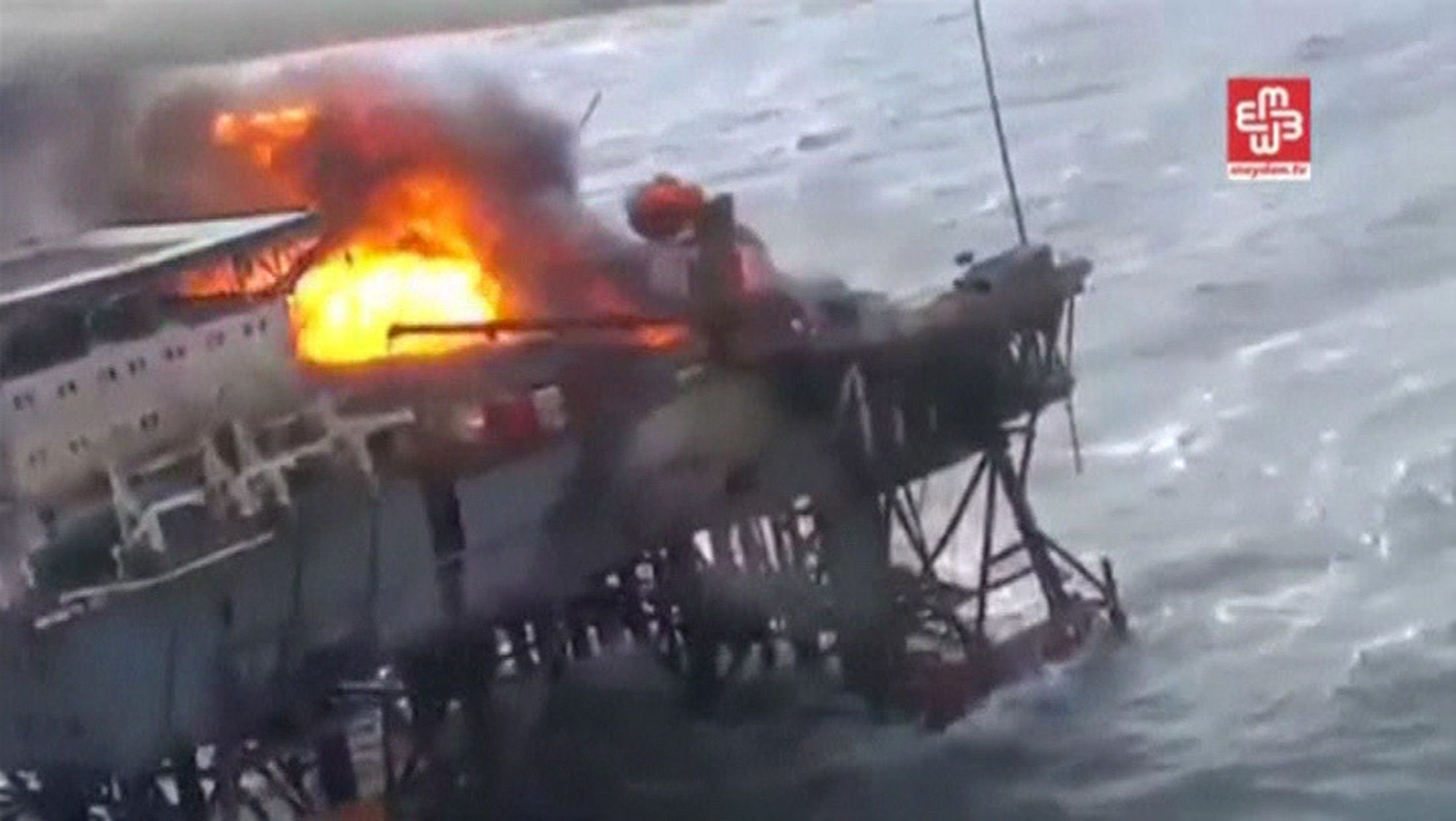 1205_azerbaijan_oil_fire