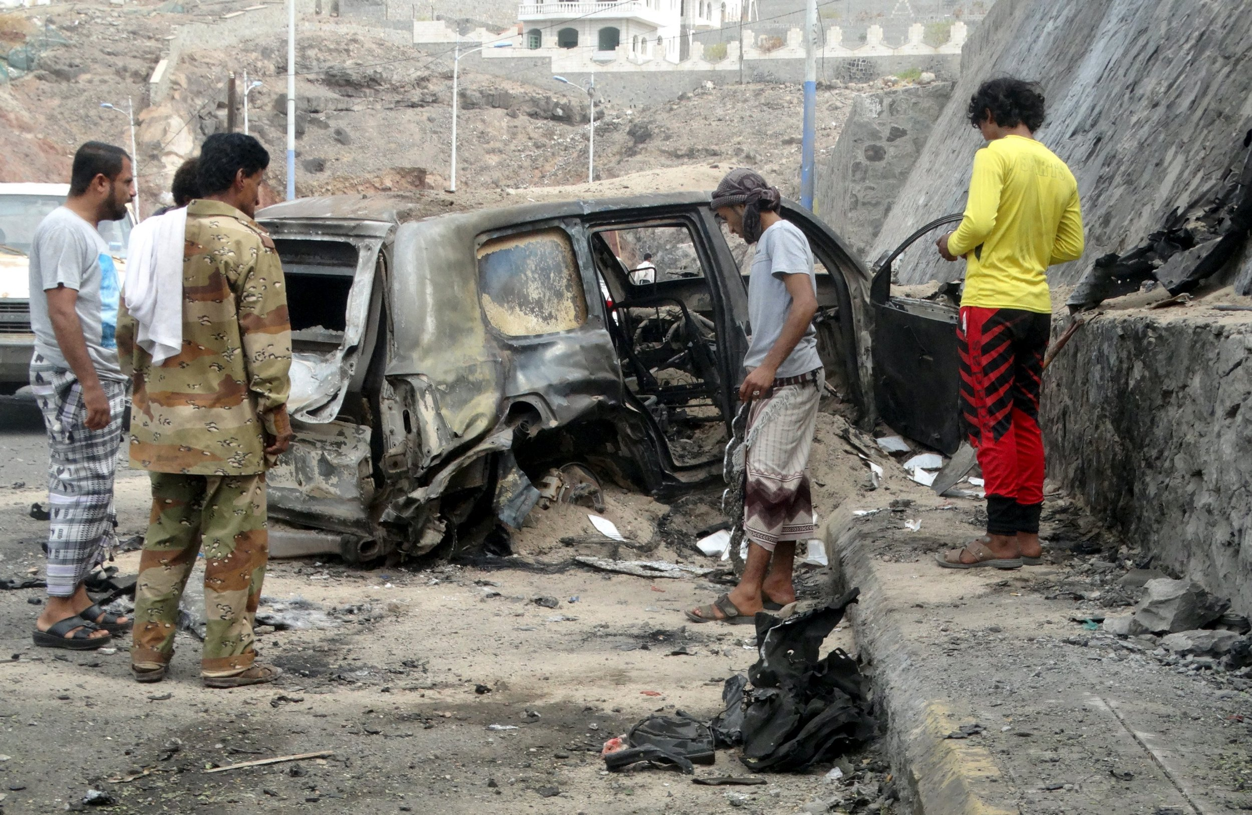1206_aden_isis