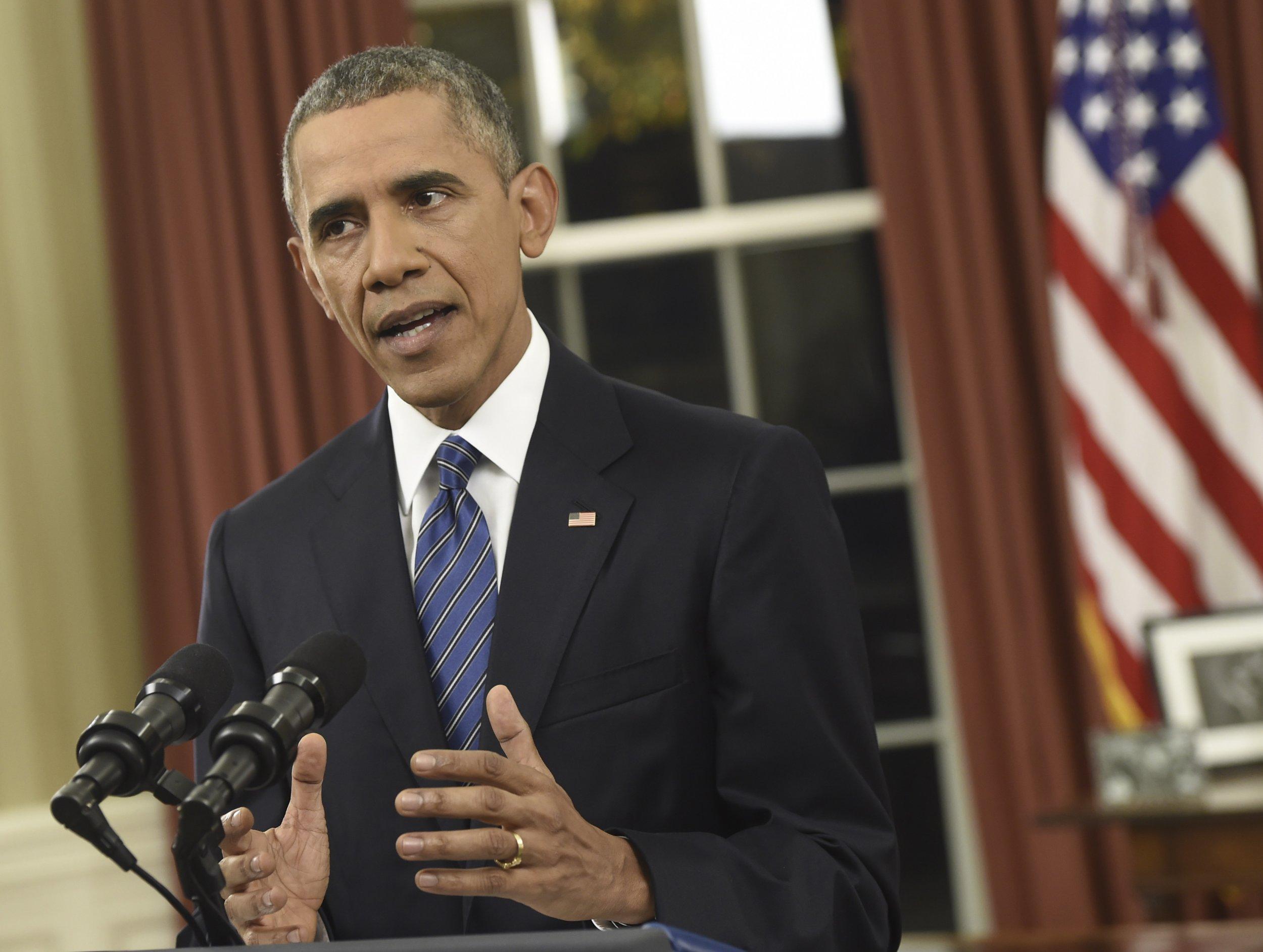 12_07_Obama_Oval_Office_02