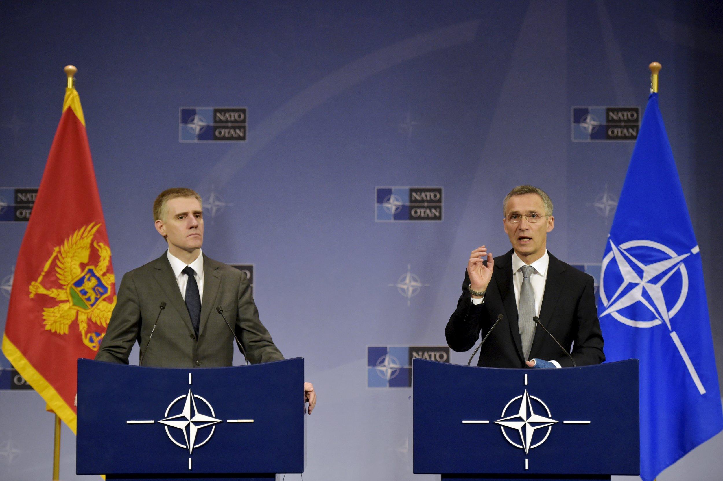 12_08_NATO_01