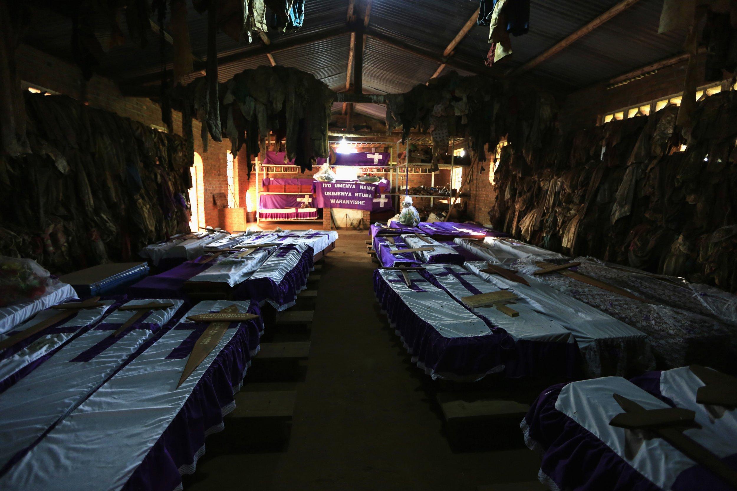 1210_Rwanda genocide victims