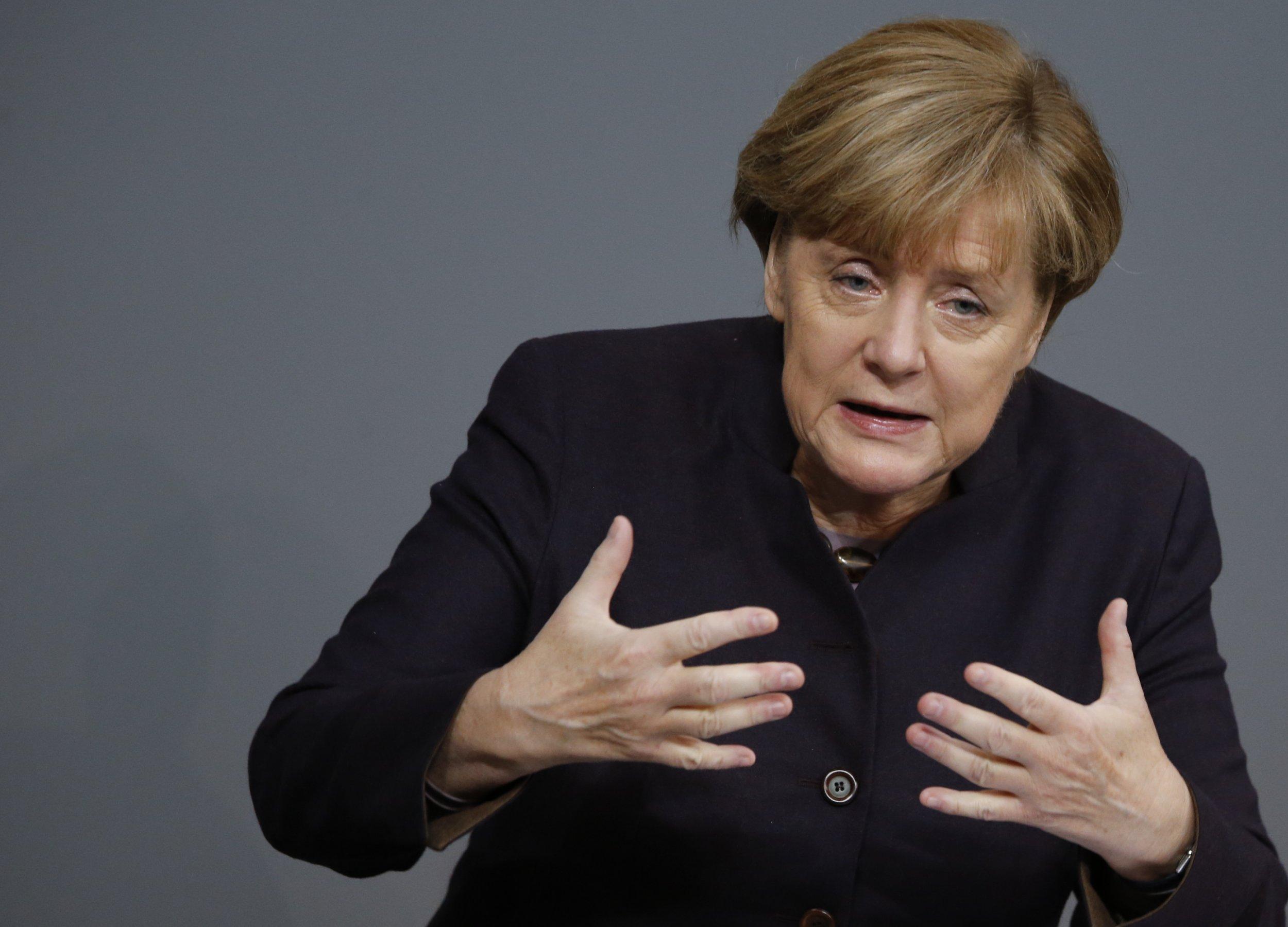 12_10_Merkel_01