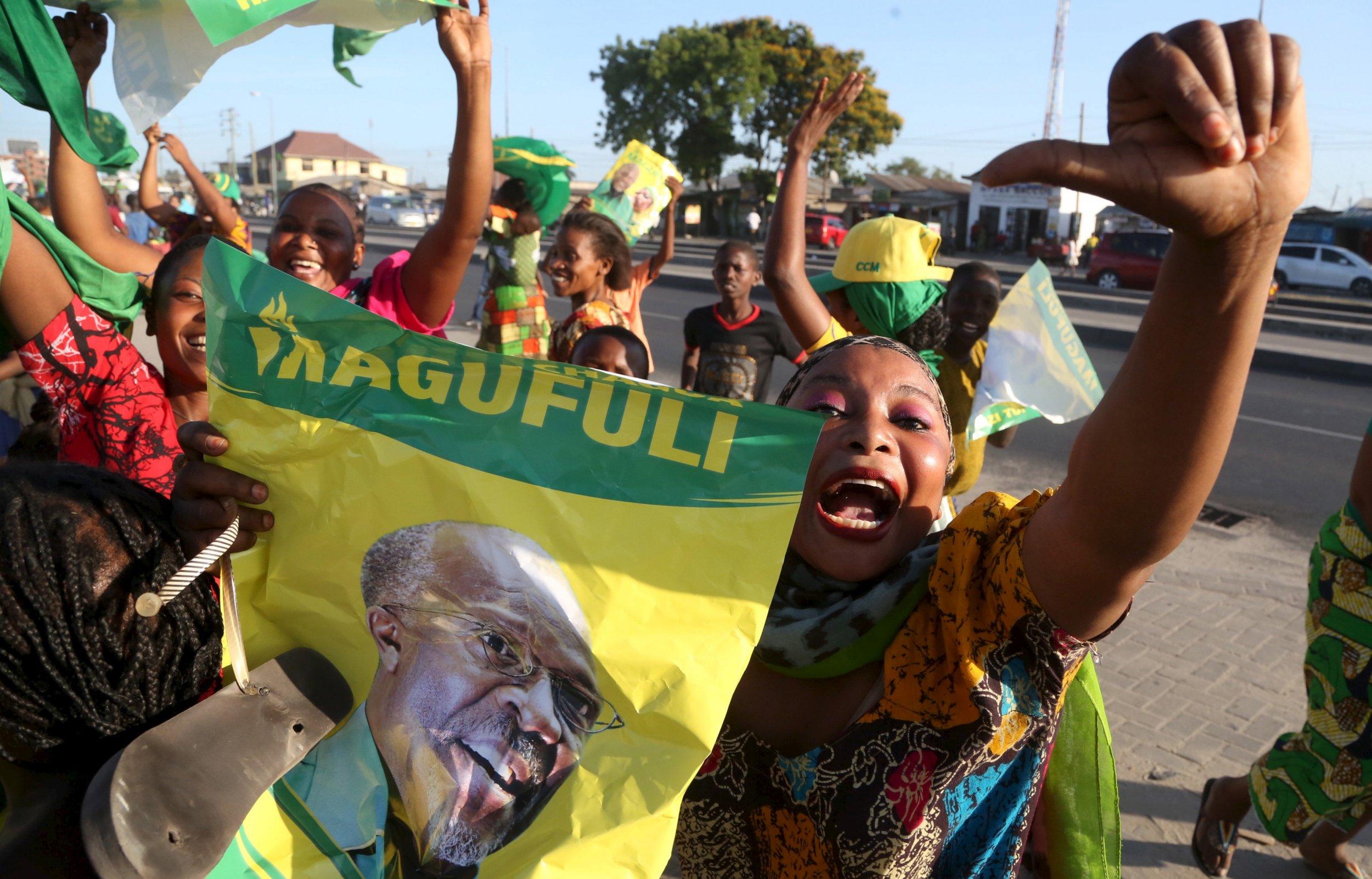 1211_Magufuli flag