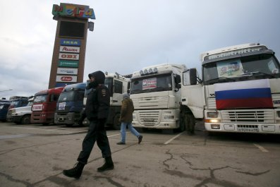 1211_Russia Protest Trucks