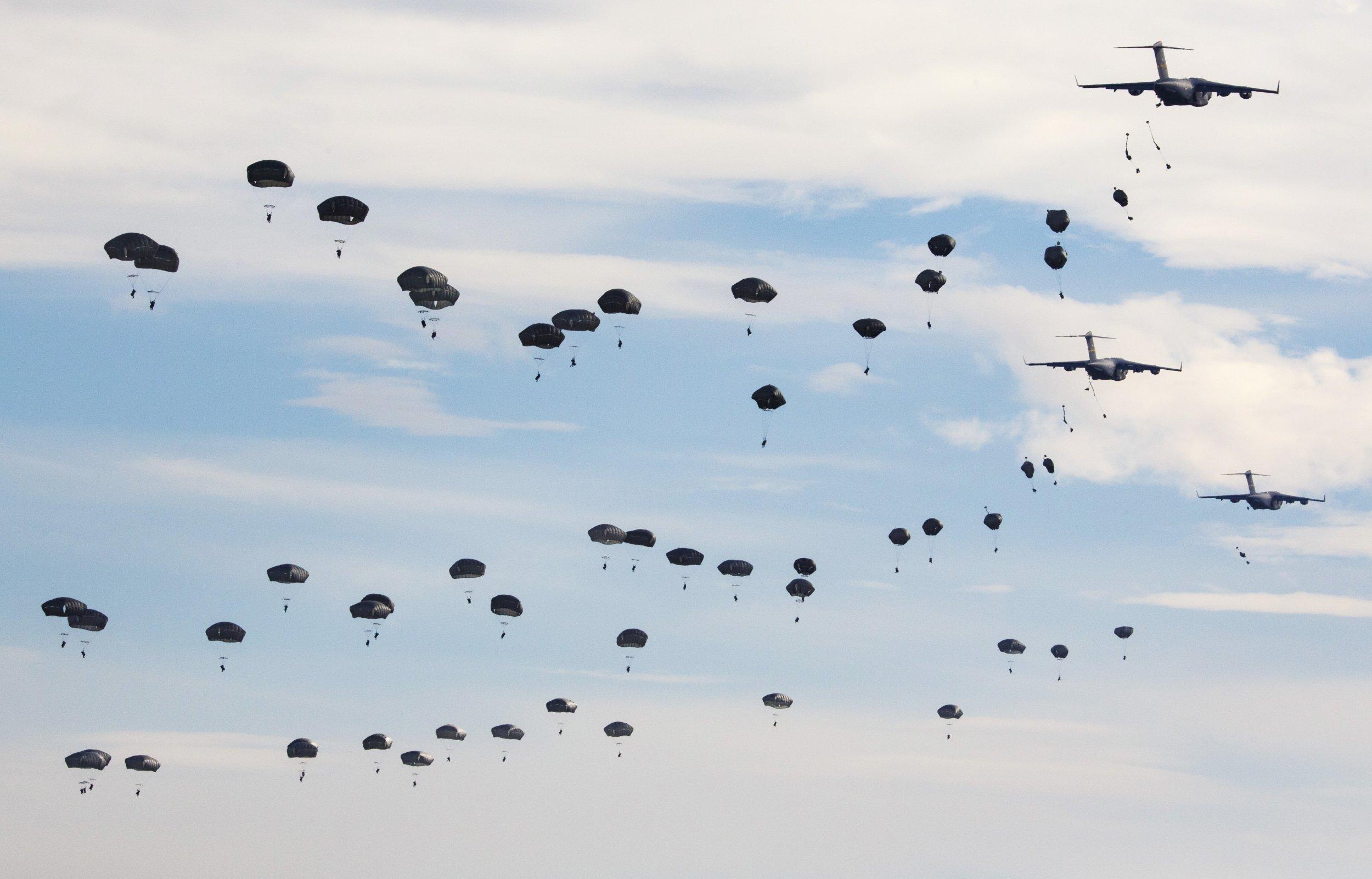 2015-11-16T163511Z_1_LYNXNPEBAF0YC_RTROPTP_4_NATO-EXERCISES