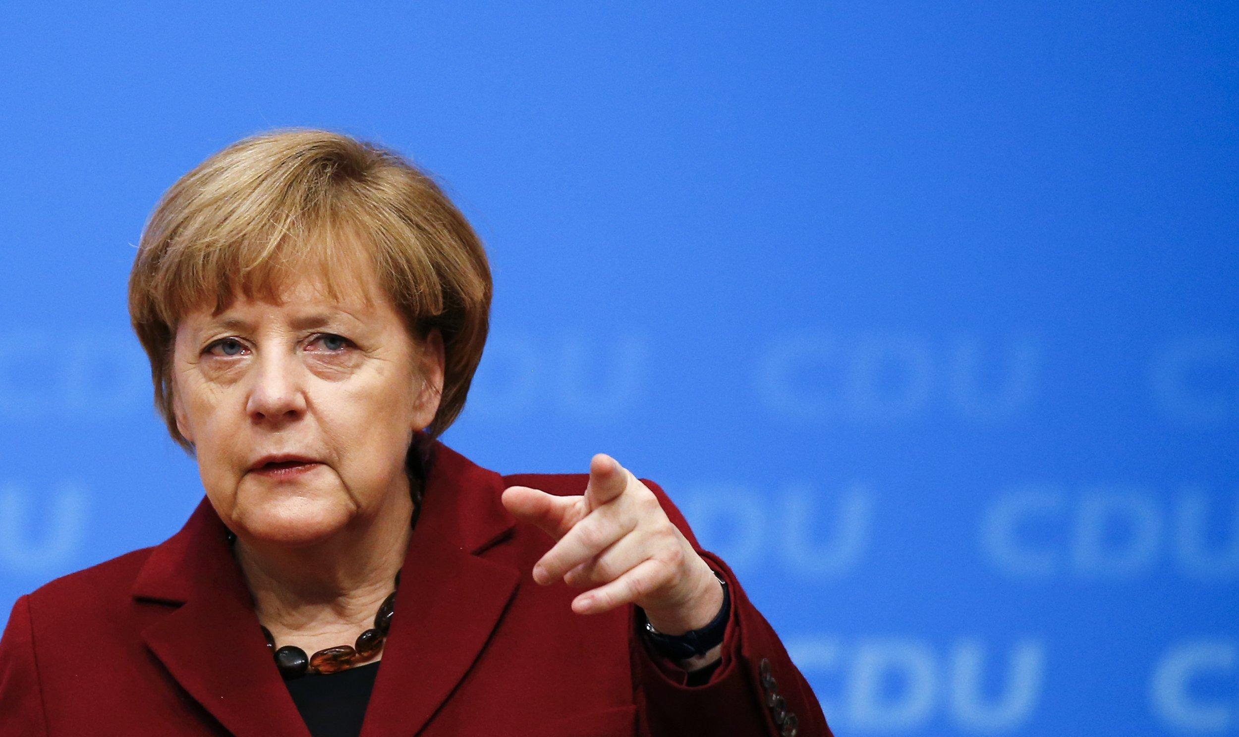 12_15_Merkel_01