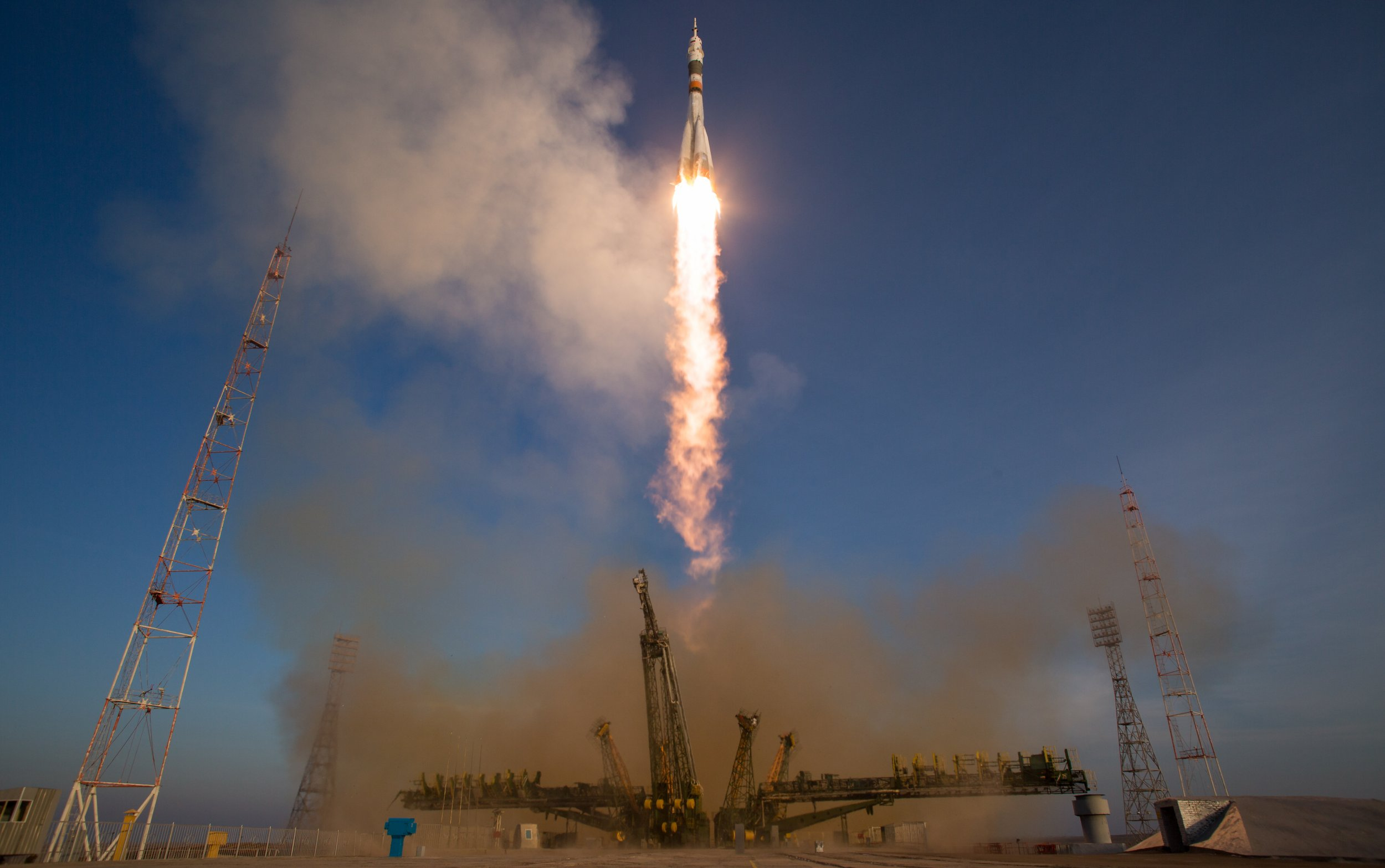 12-15-15 Soyuz launch 2