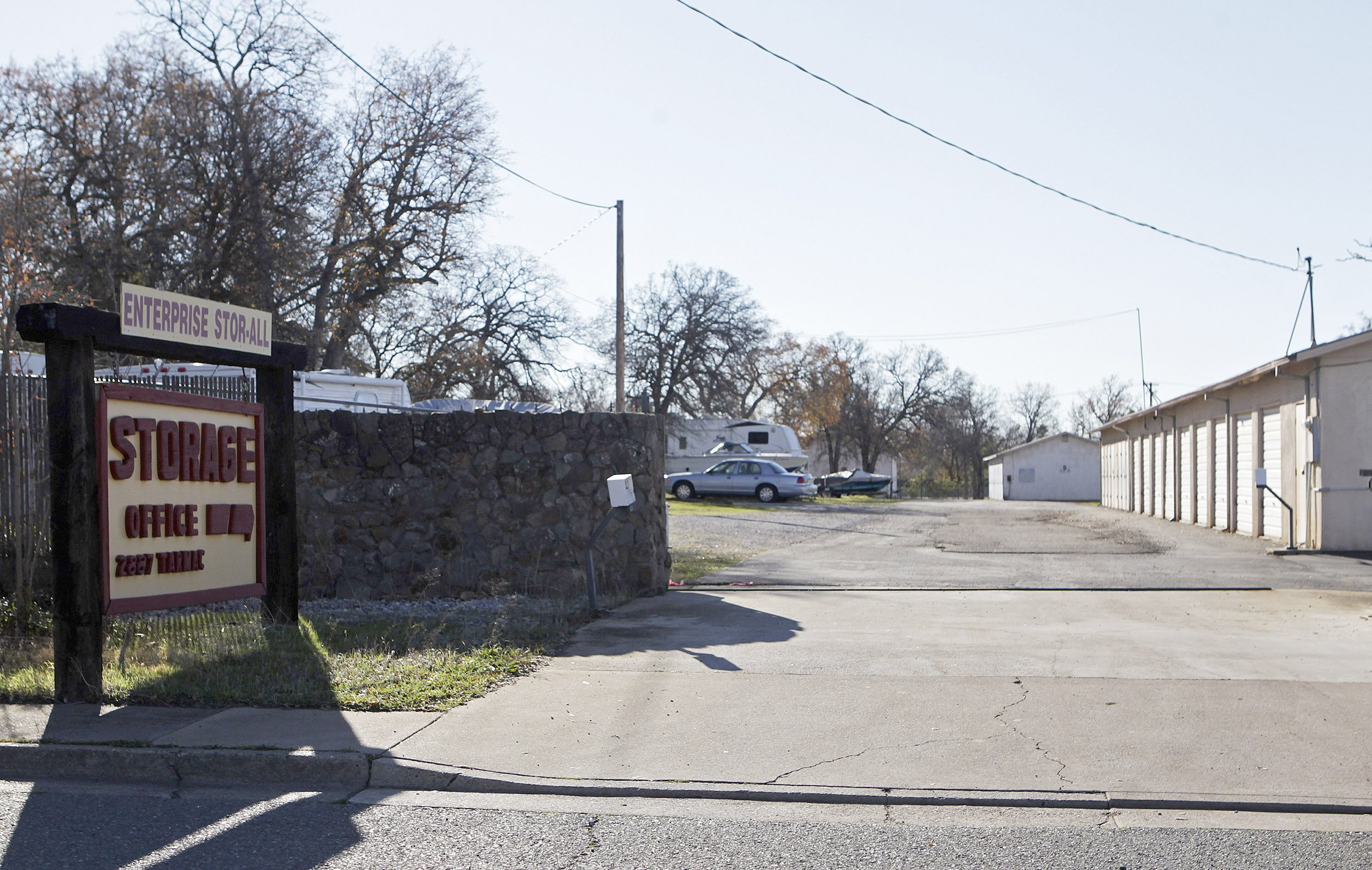 children found dead in redding storage unit. Black Bedroom Furniture Sets. Home Design Ideas