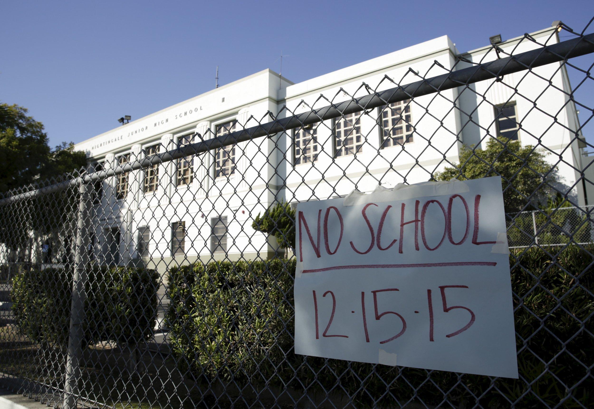 Threat to los angeles new york city schools investigated for New york city to los angeles