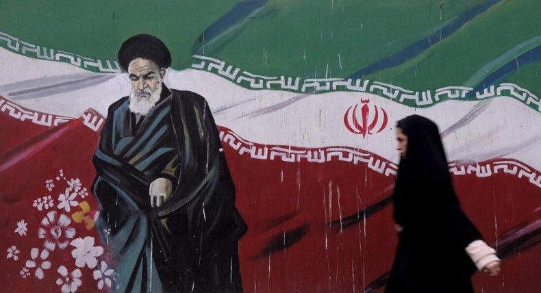 1216_Ayatollah_Khomeini_painting