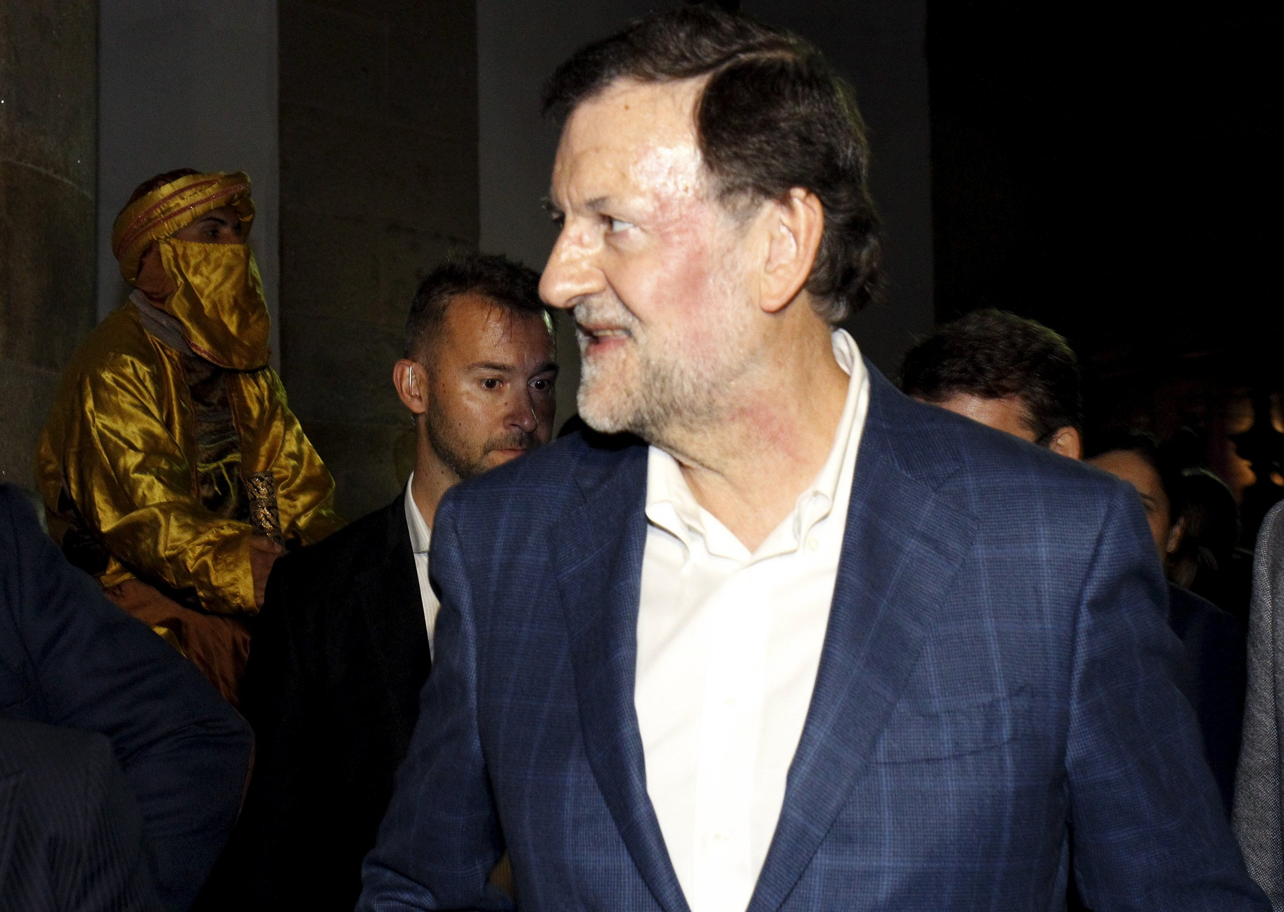 1217_Rajoy_punched
