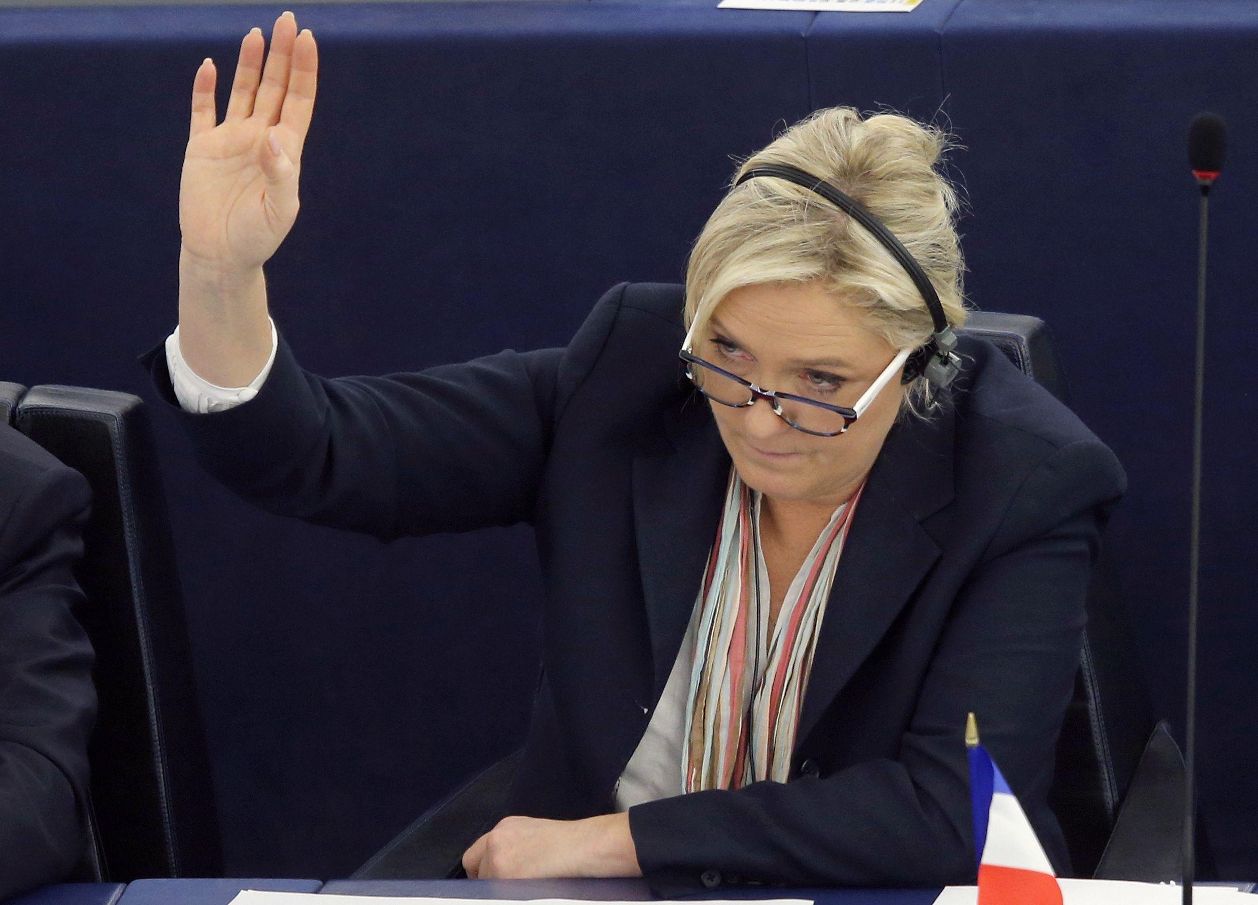 12_17_Le_Pen_01