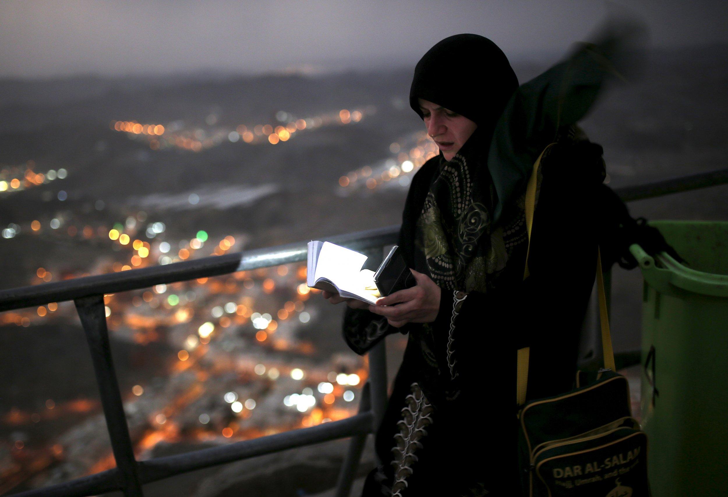 12_22-Women_Saudi_Arabia_01