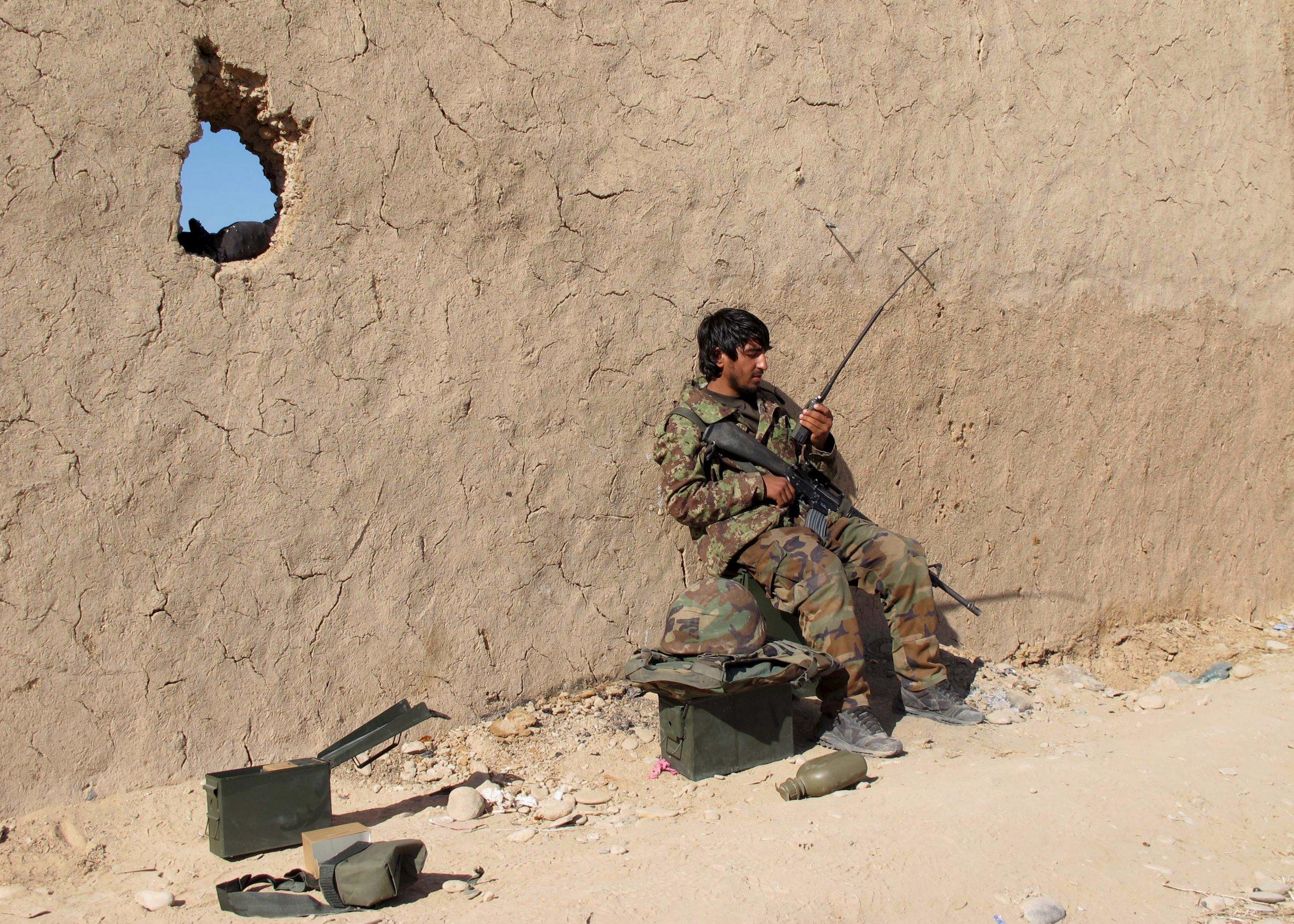 1222_Afghan_soldier_Helmand