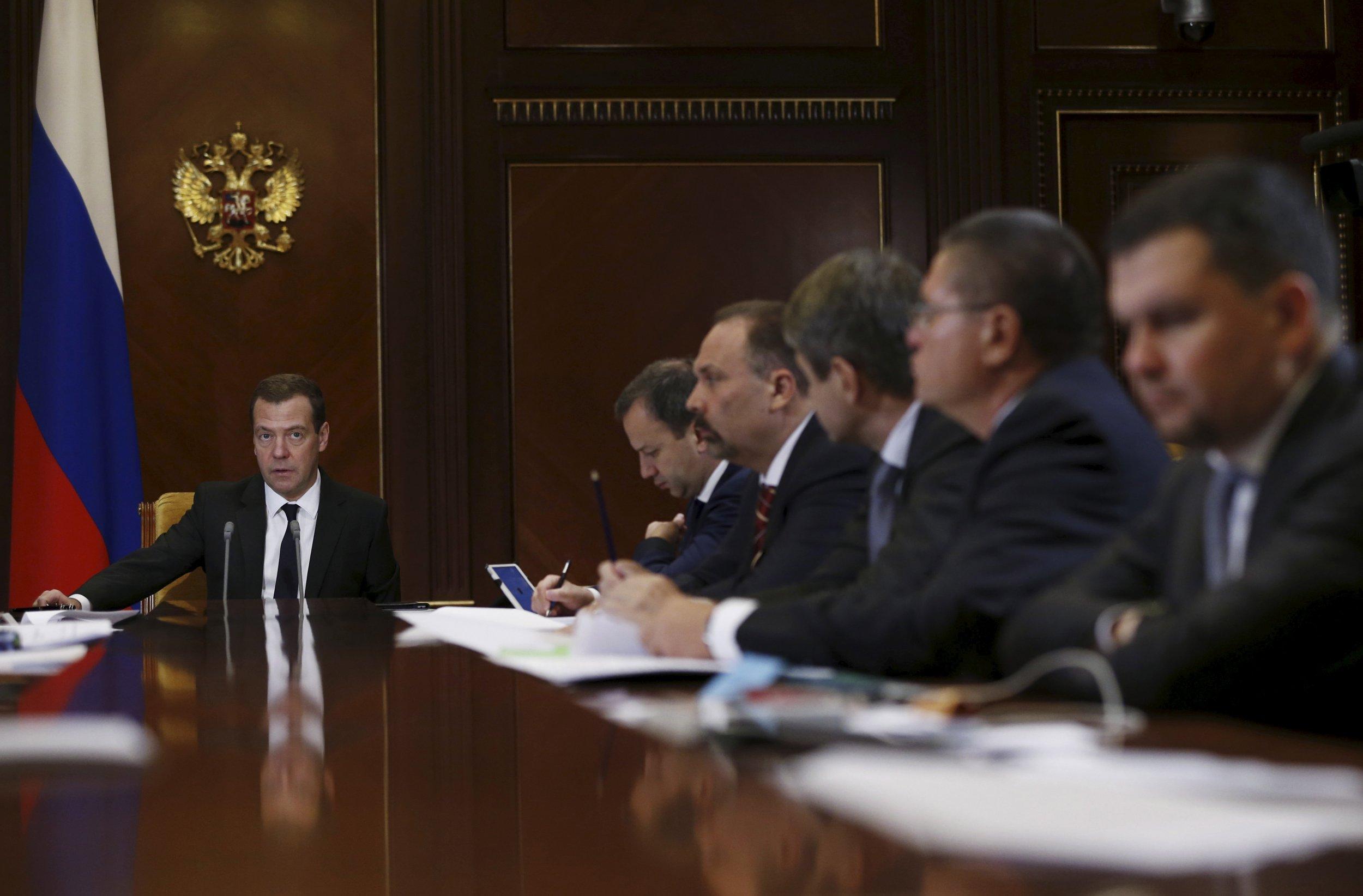 1222-Russia-Medvedev-jobs