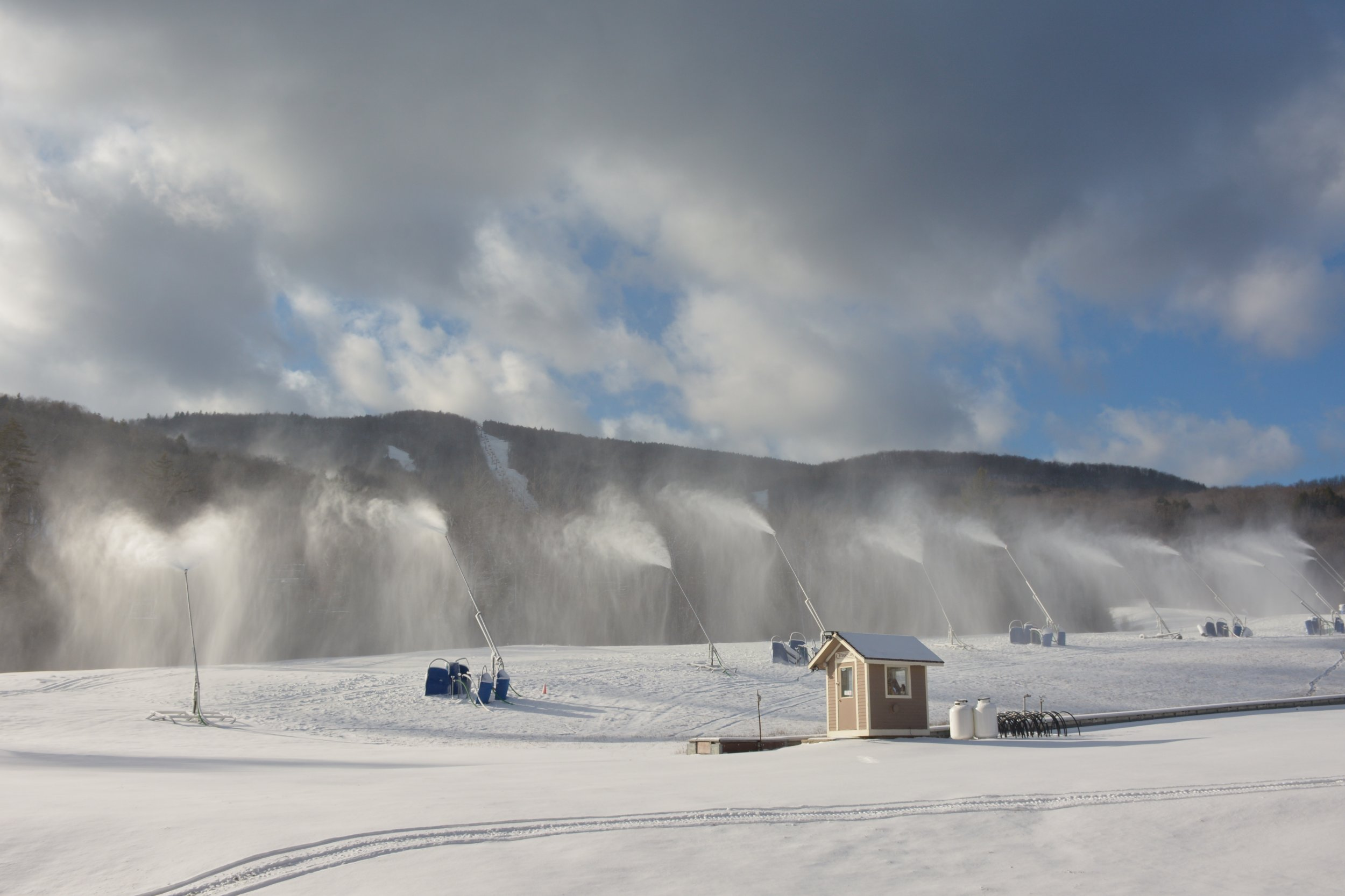 12_22_december_skiing