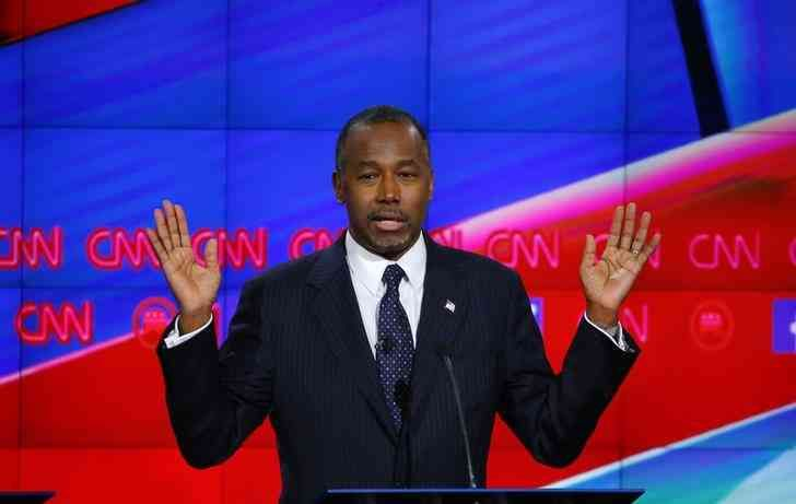 Carson tries to shake up his campaign