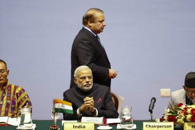 25_12_Modi_Sharif