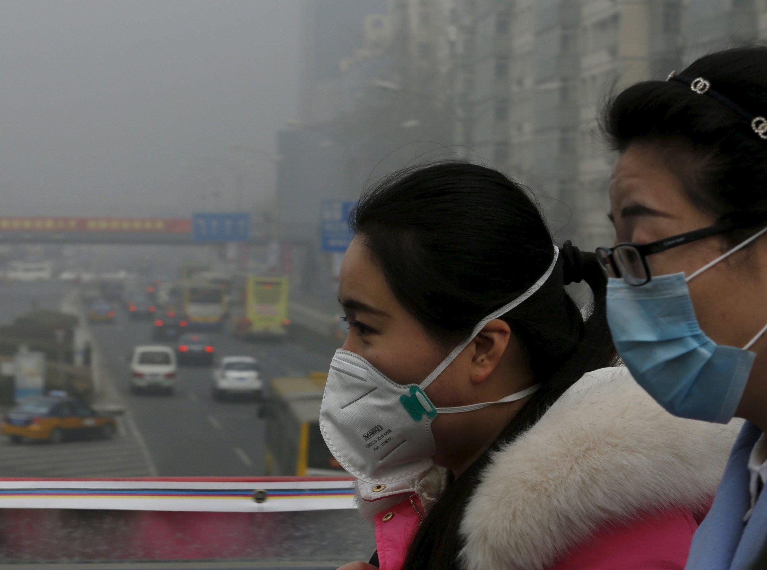 Beijing red alert on air