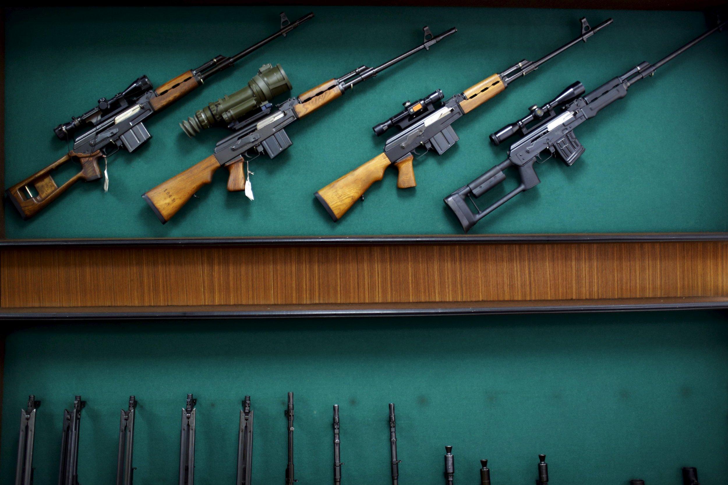 2015-11-28T091453Z_1074040097_GF20000076416_RTRMADP_3_FRANCE-SHOOTING-GUNRUNNERS