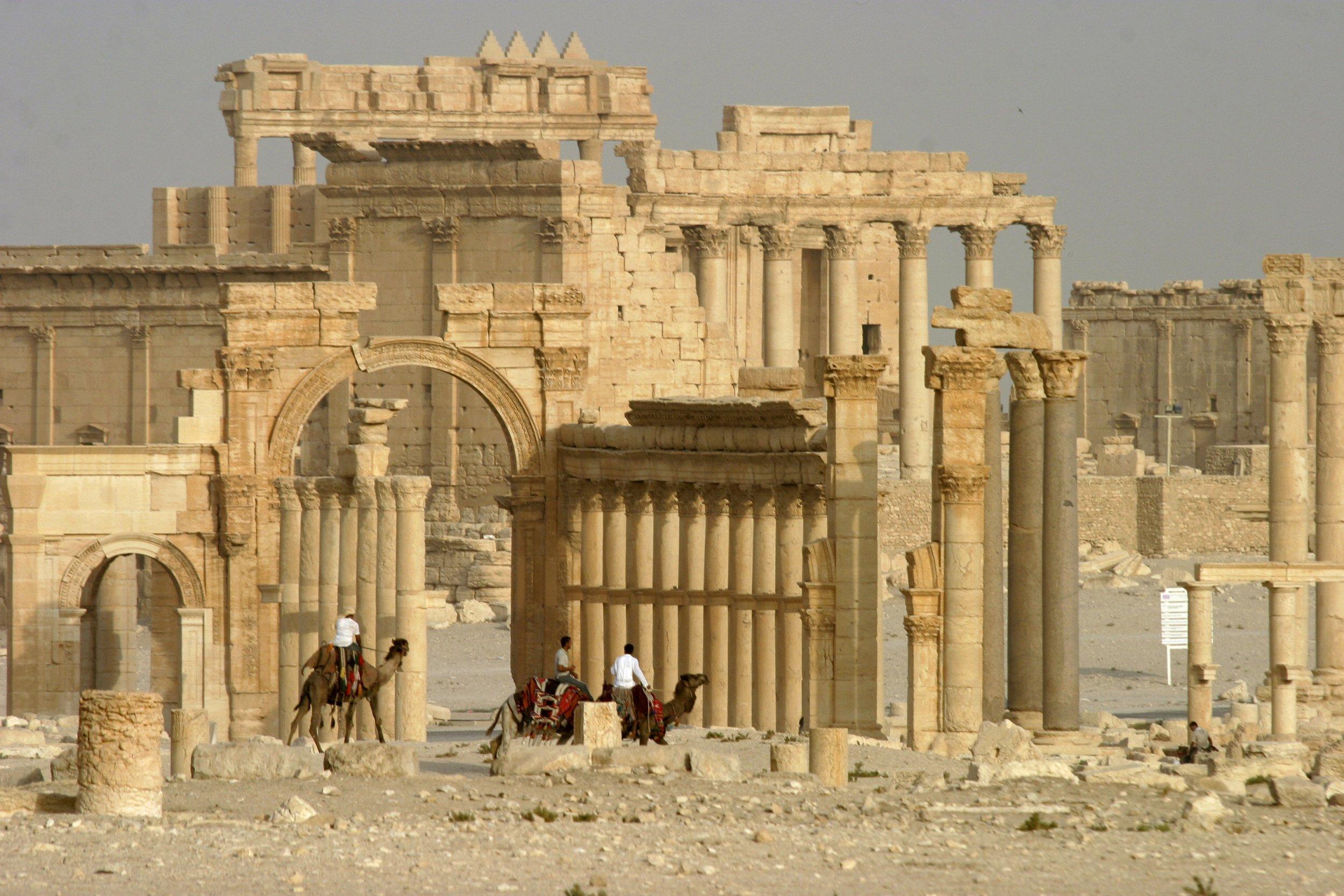 29_12_Palmyra_replicas