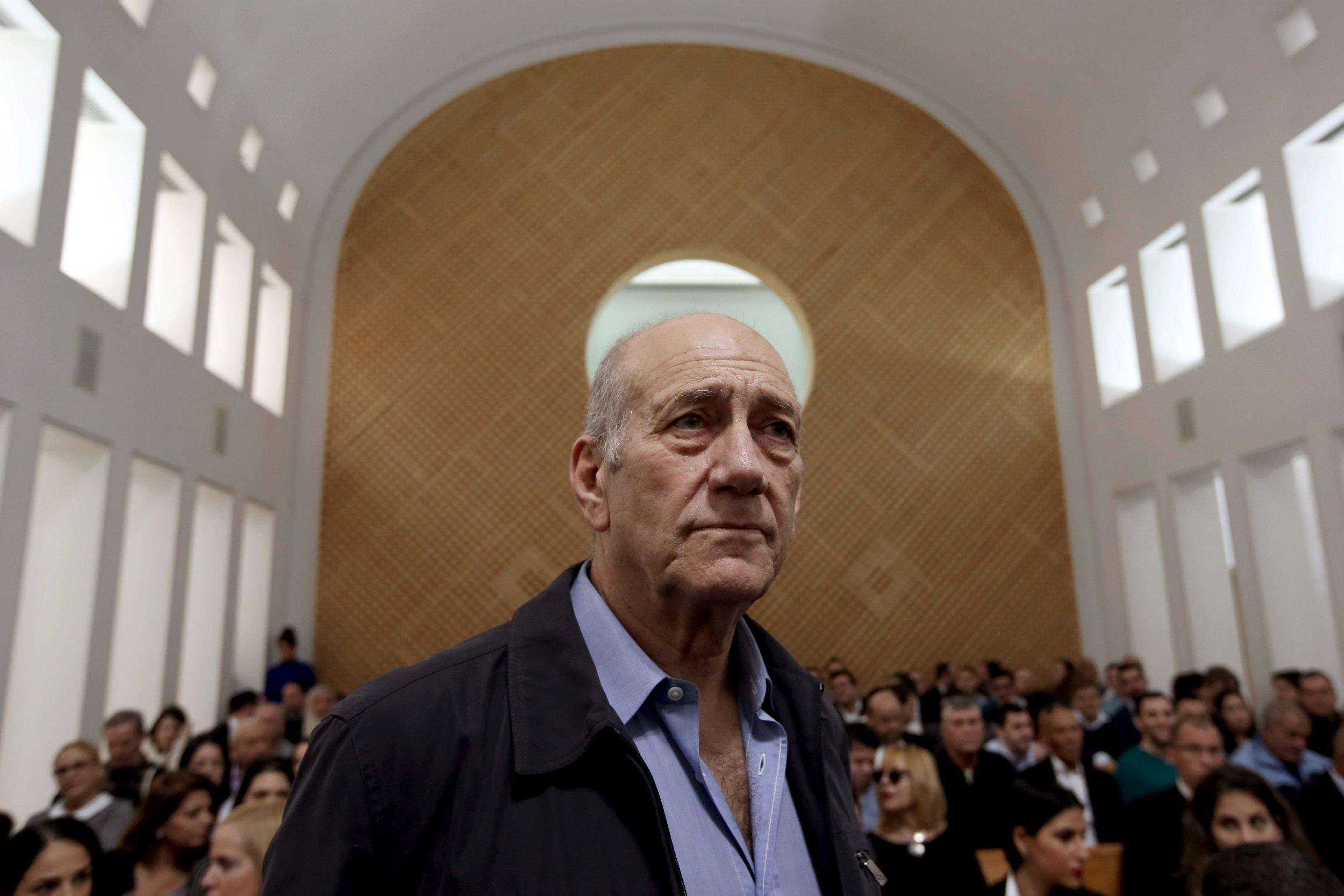29_12_Olmert_sentenceslashed