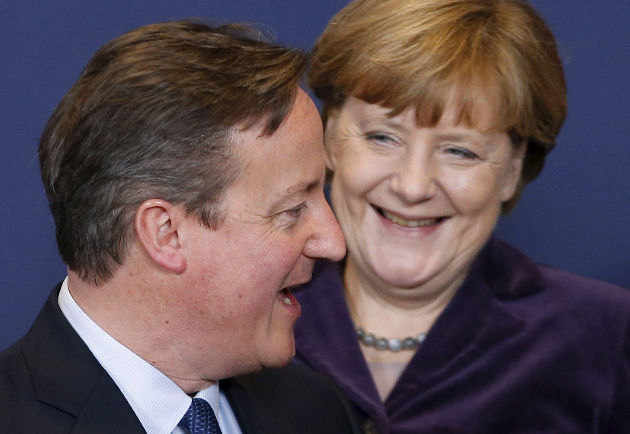 12_30_Cameron_Merkel_01