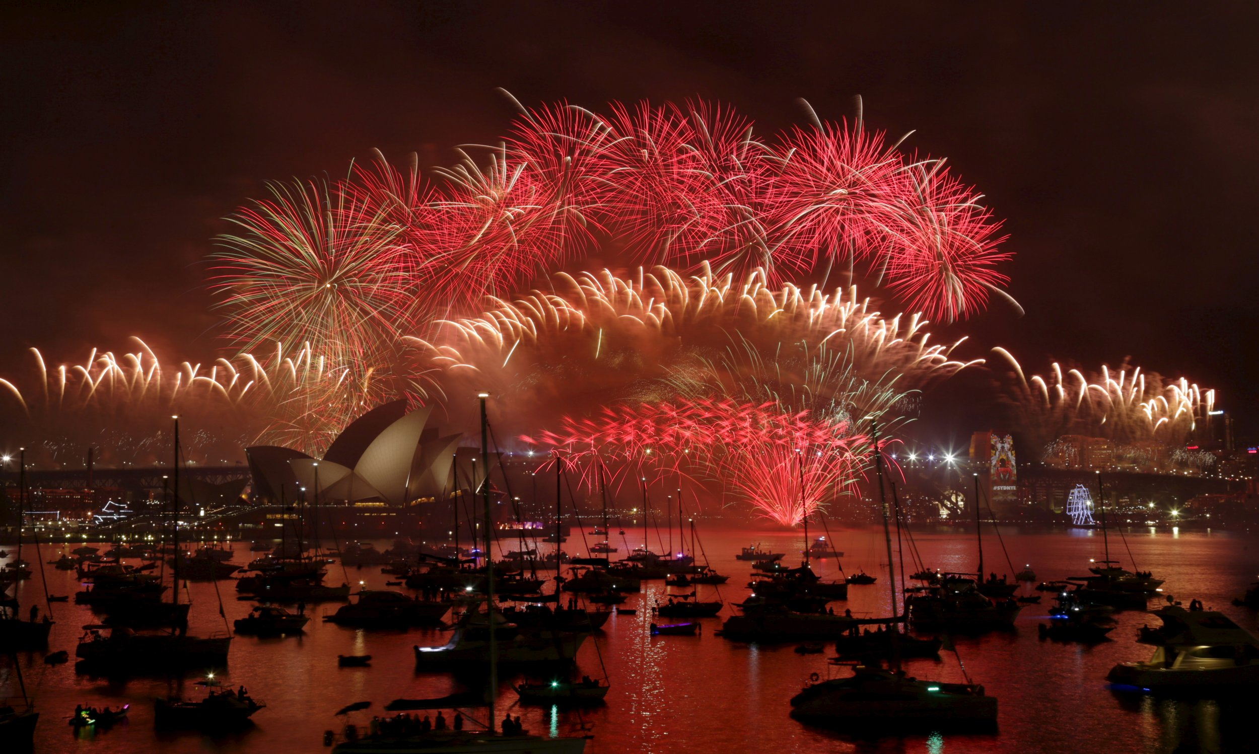 12-31-15 Sydney Opera House fireworks