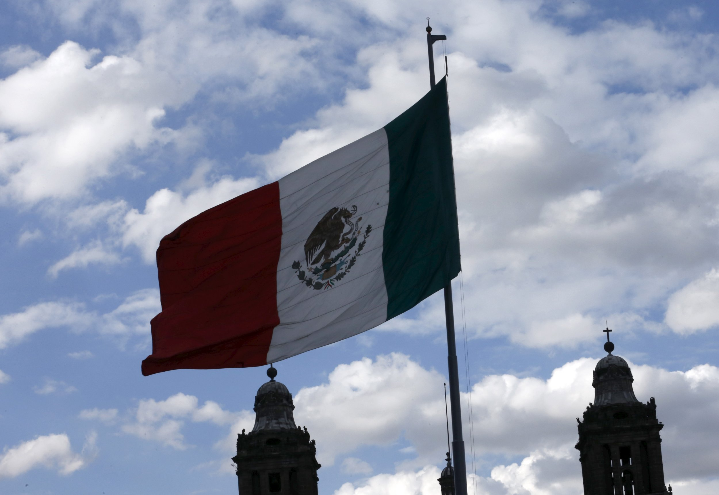 1_2_MexicanFlag