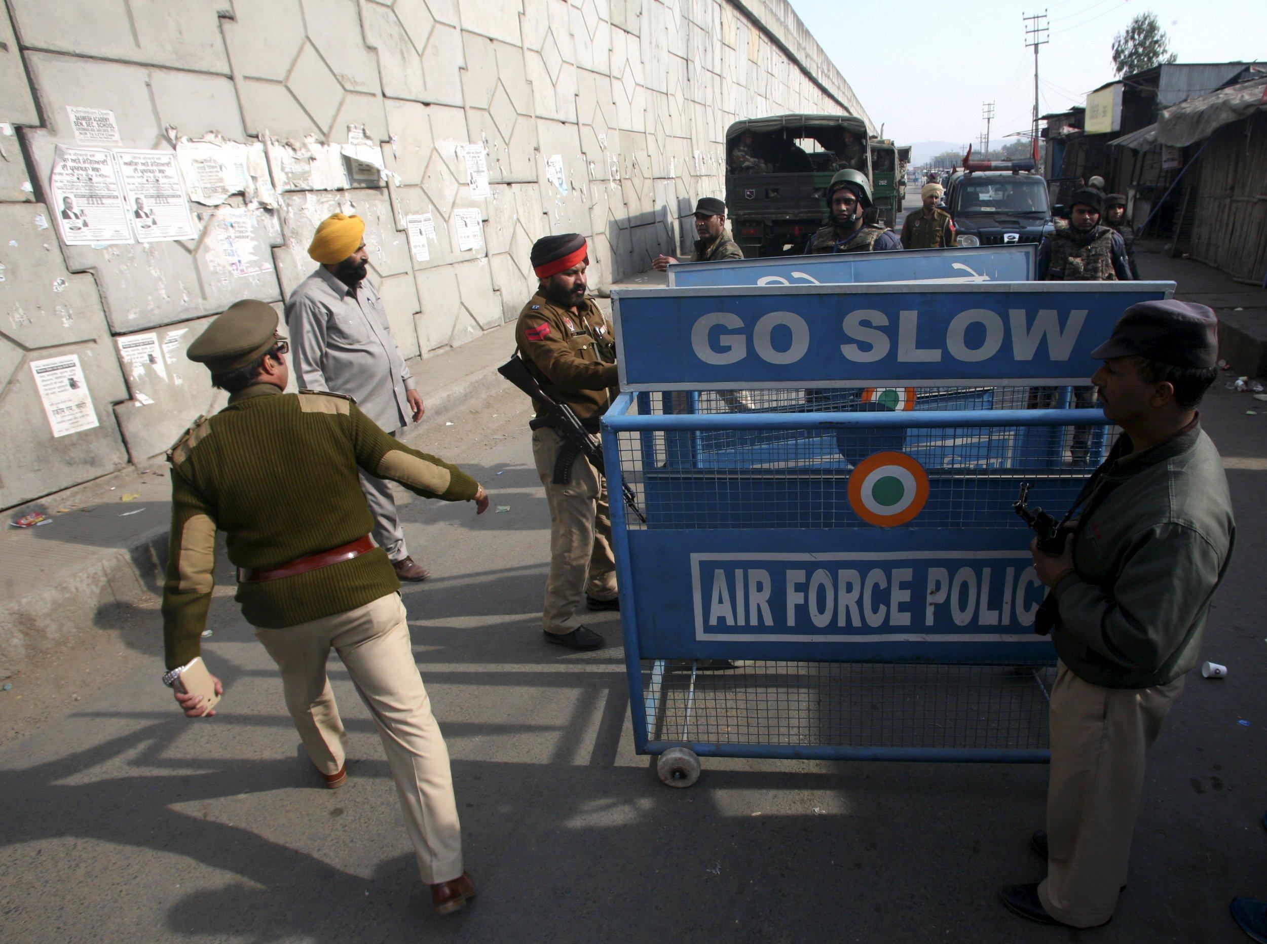 0103_india_militants