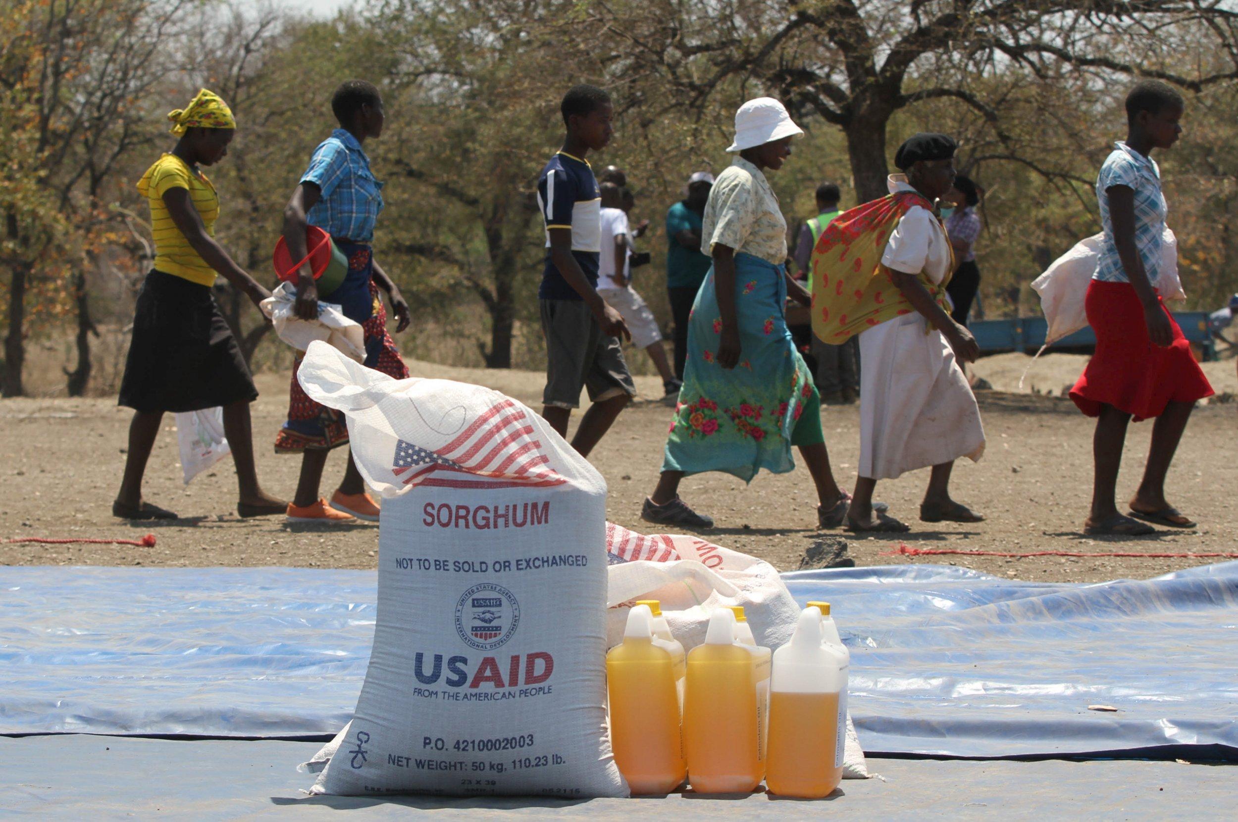 0104_Zimbabwe_food_rations